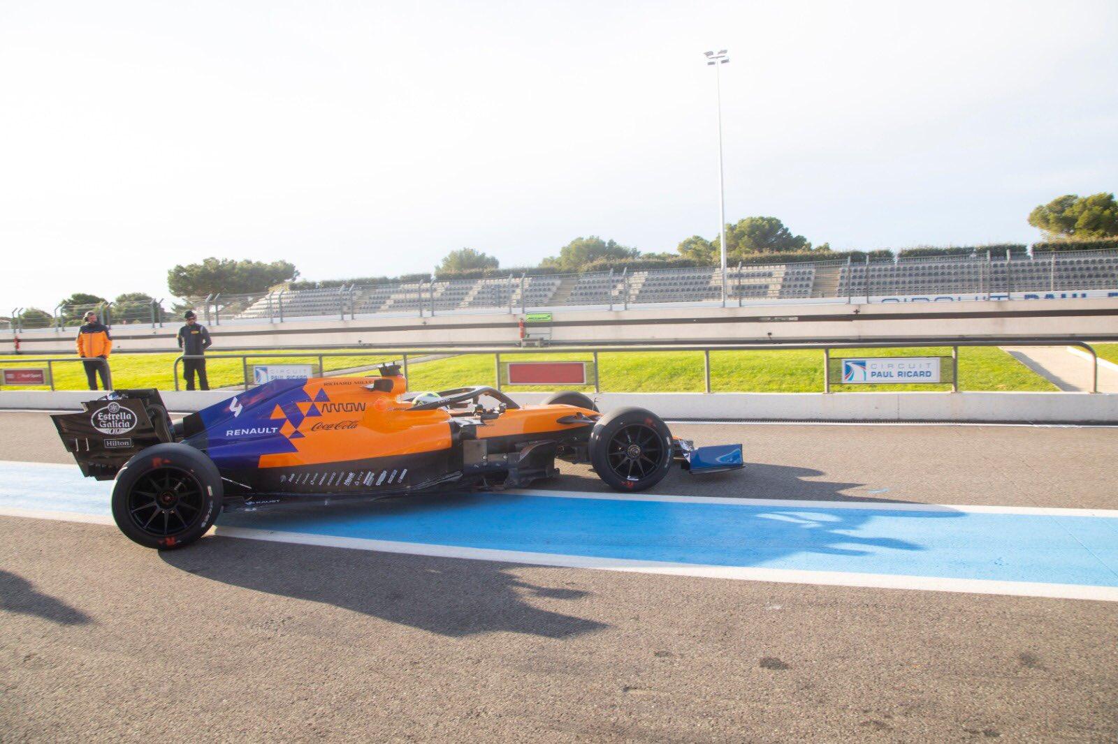 F1: Újra a 18 colos gumikat tesztelte a Pirelli