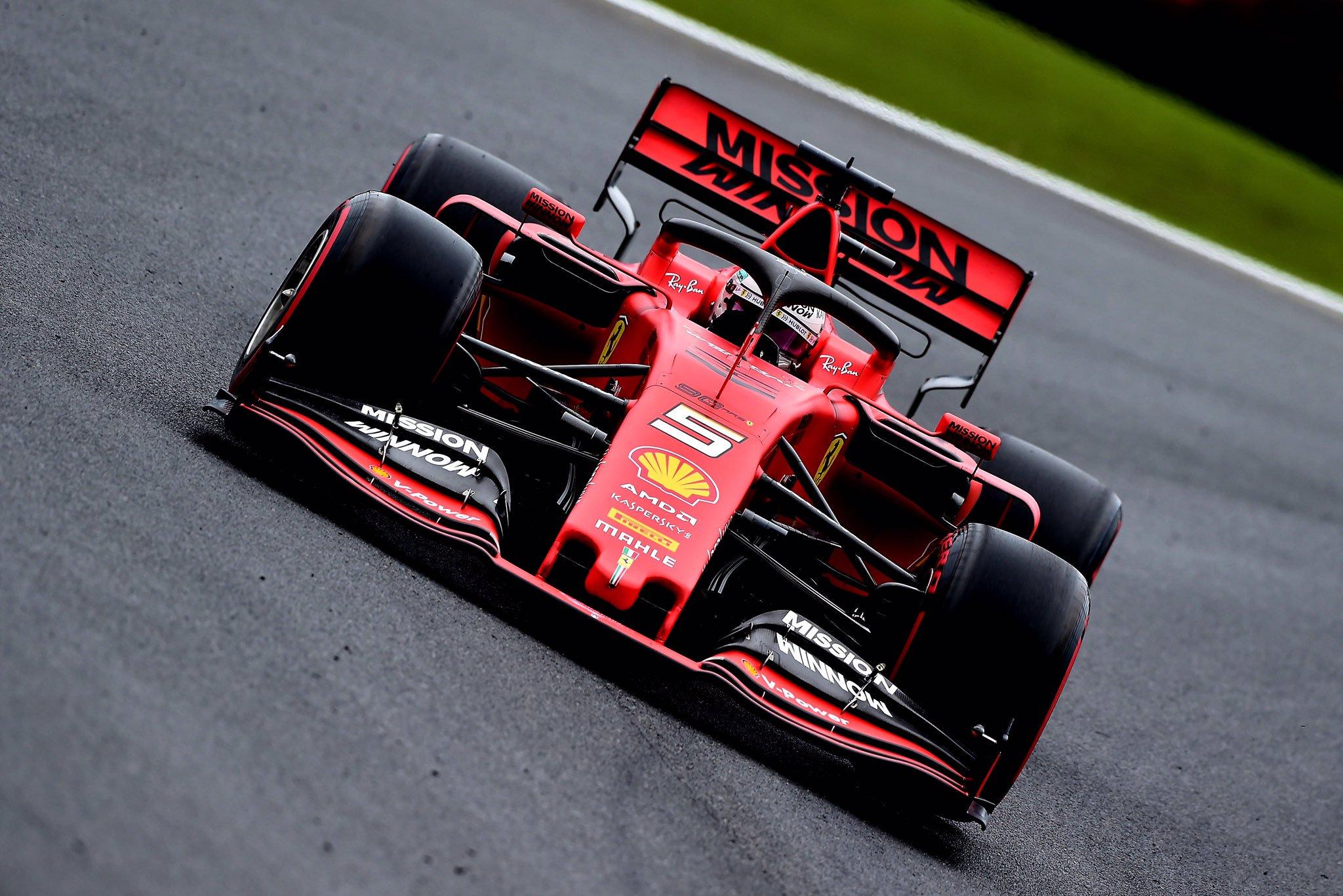 F1: Vettel vezetésével a Ferrari uralta a második edzést