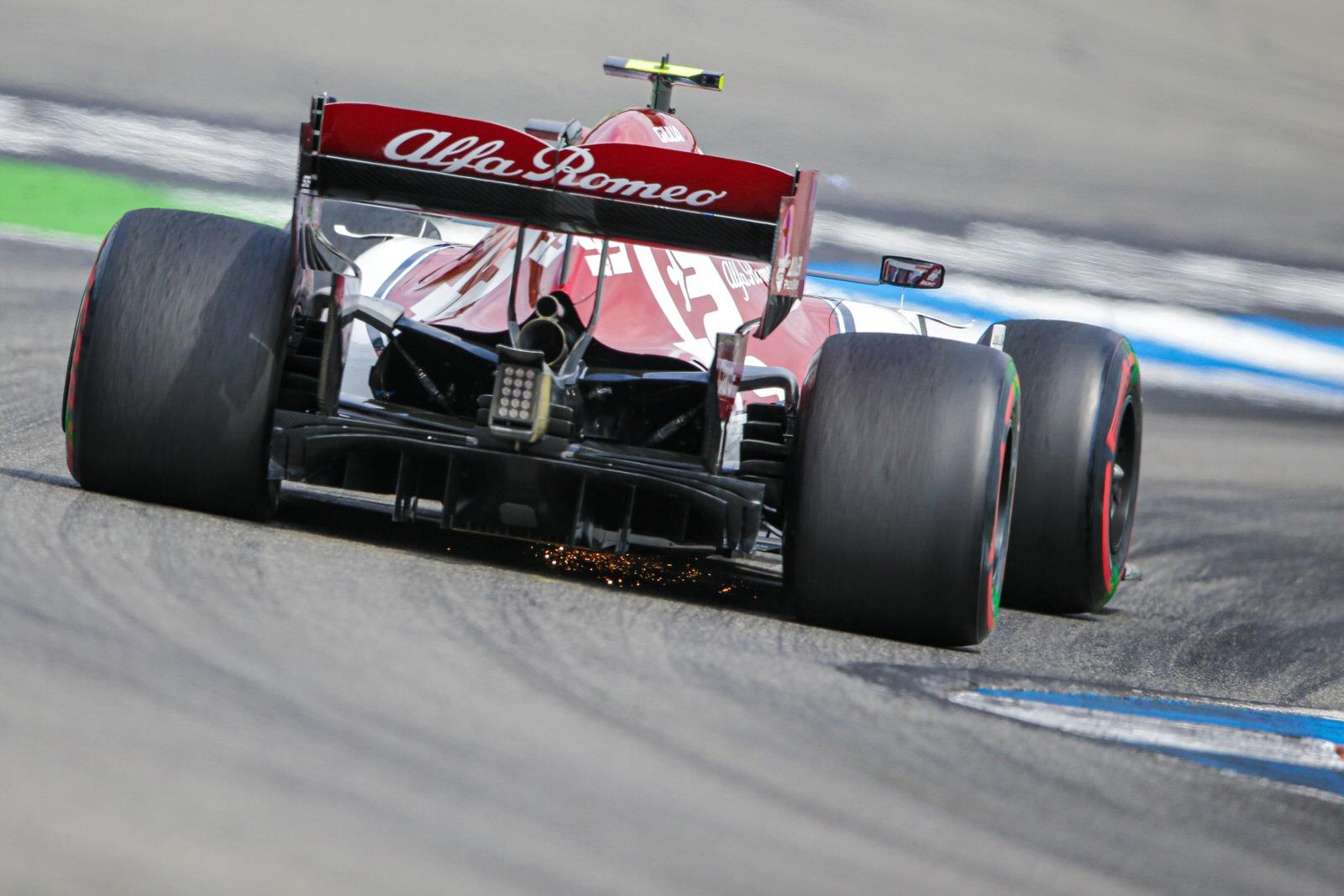 F1: Fellebbez az Alfa Romeo Räikkönenék büntetése ellen