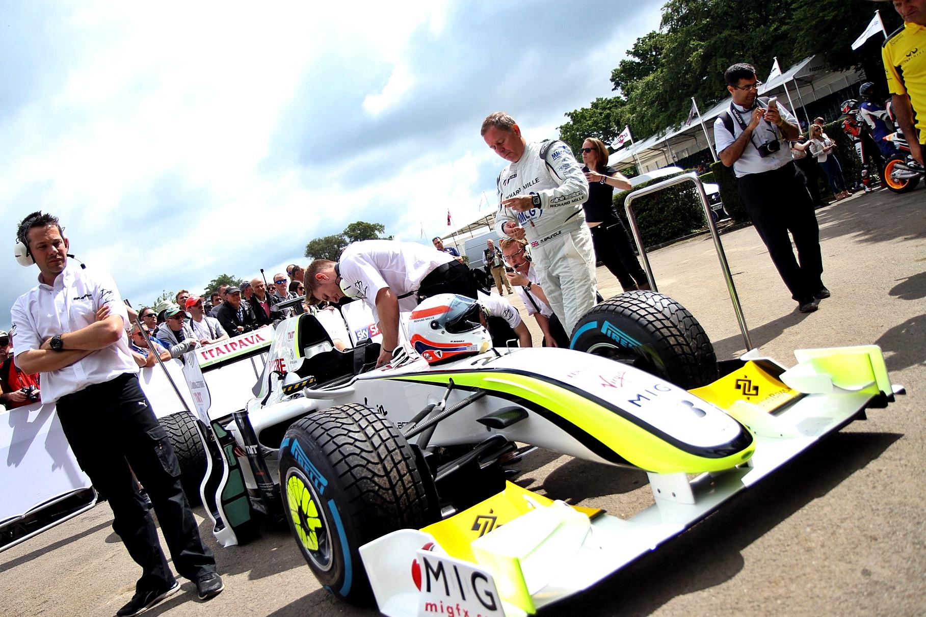 F1 - ÍGY ORDÍTOTT JENSON BUTTON 2009-ES VILÁGBAJNOKI VERSENYGÉPE GOODWOODBAN