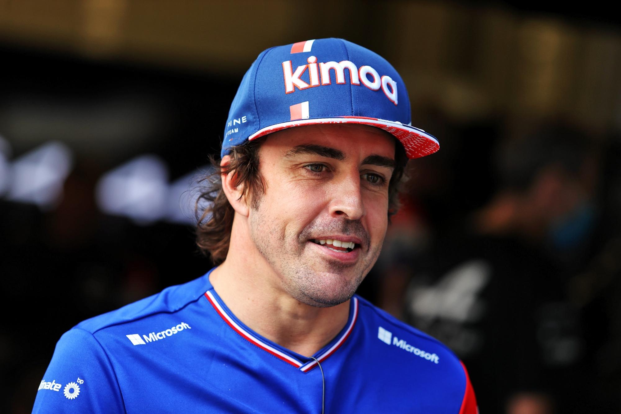 F1: A Red Bull-lal is tárgyalt a visszatérésről Alonso