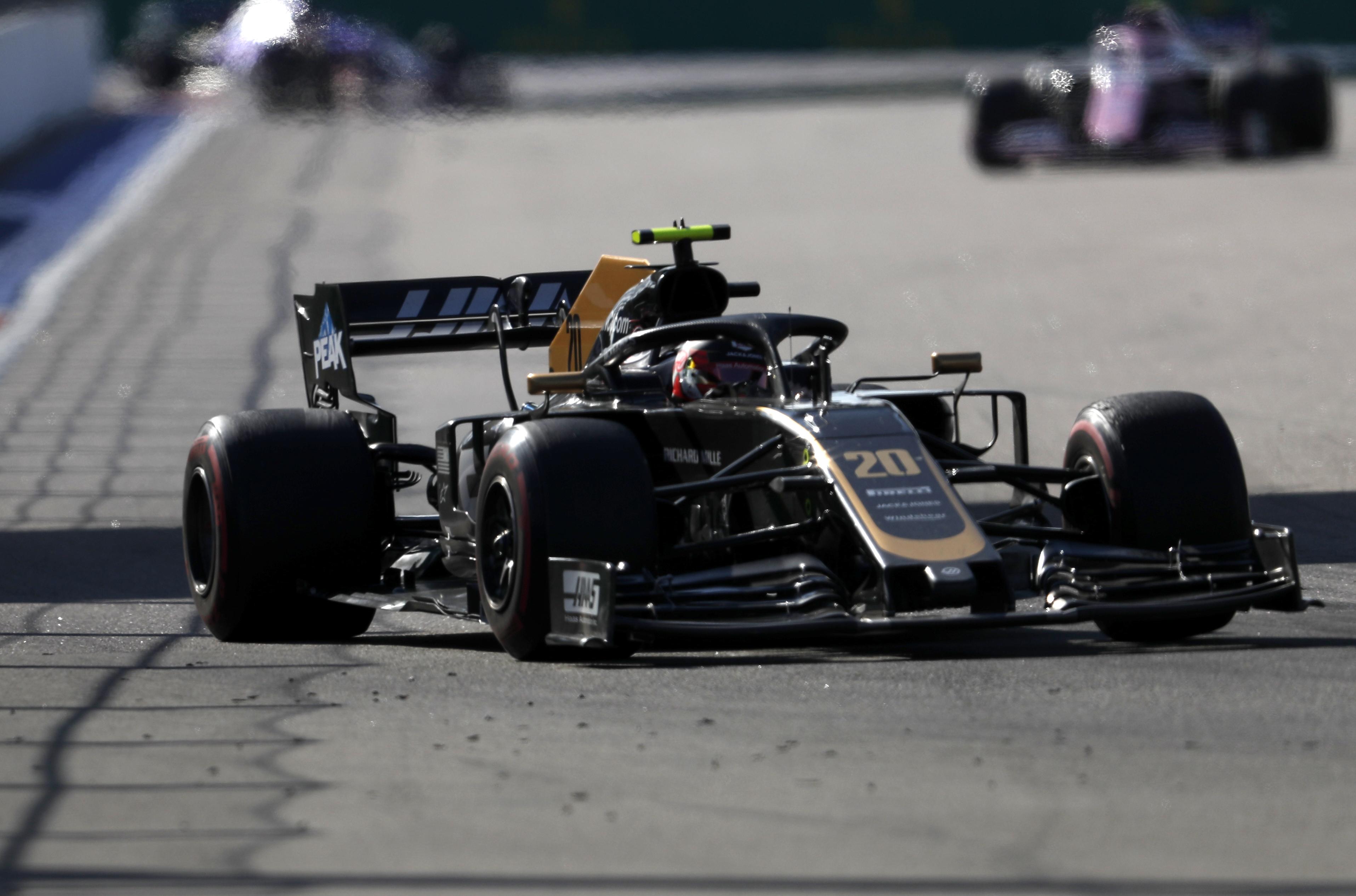 F1: Magnussenék berágtak a versenybírókra