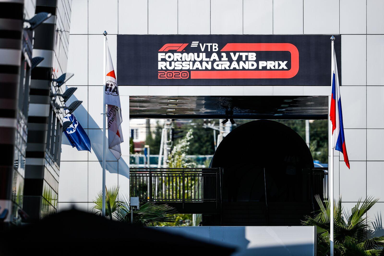 Ismét rekordmennyiségű koronavírusost találtak az F1-ben