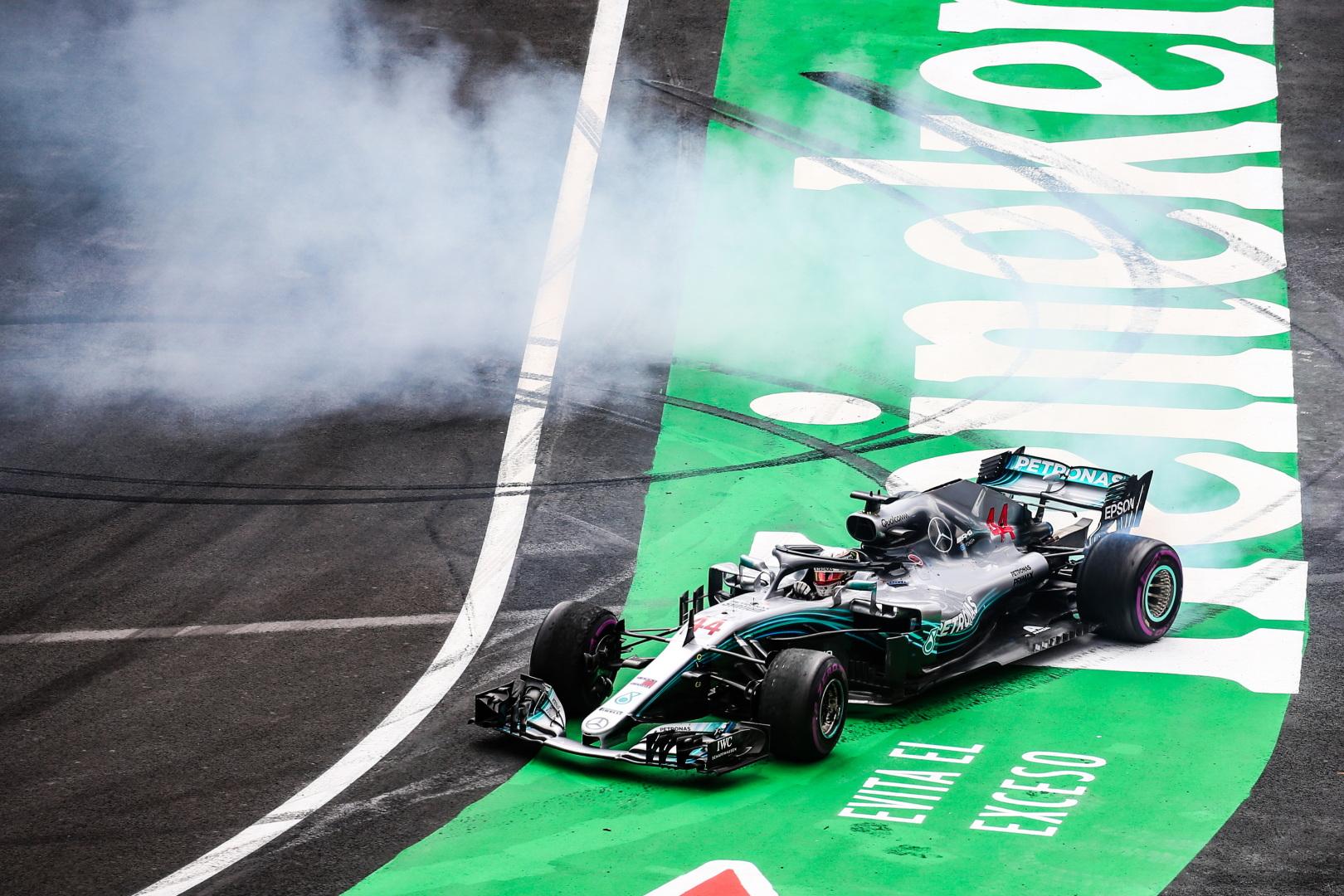 F1: 100 milliárdnál is többet költött a Mercedes a bajnoki címre