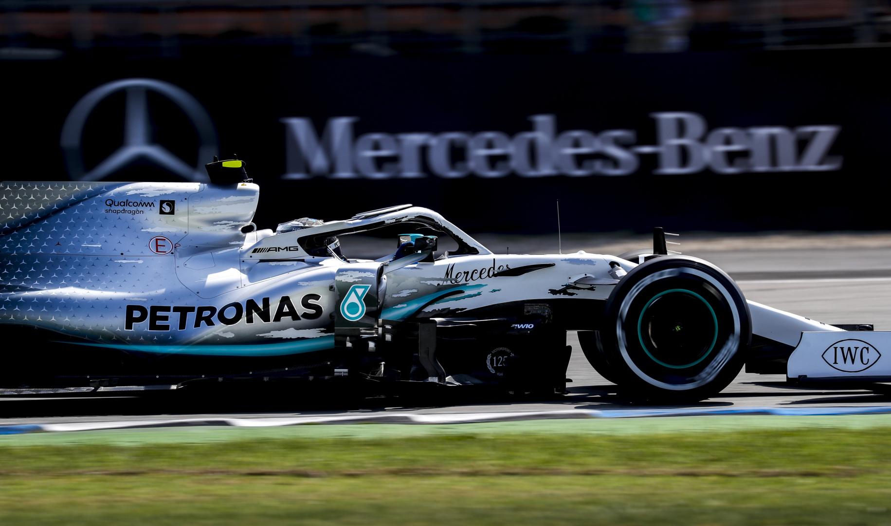 Az F1-es kiszállásról tárgyal a Mercedes, sokkoló bejelentés jöhet