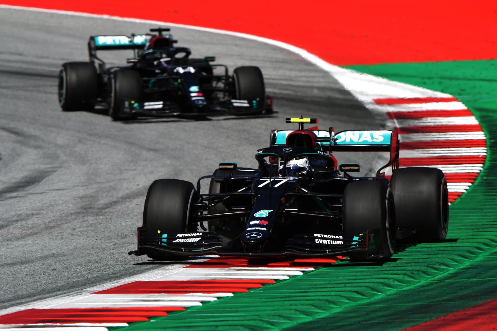 F1: Hivatalos, bejelentették az egyik Mercedes-pilótát 2021-re