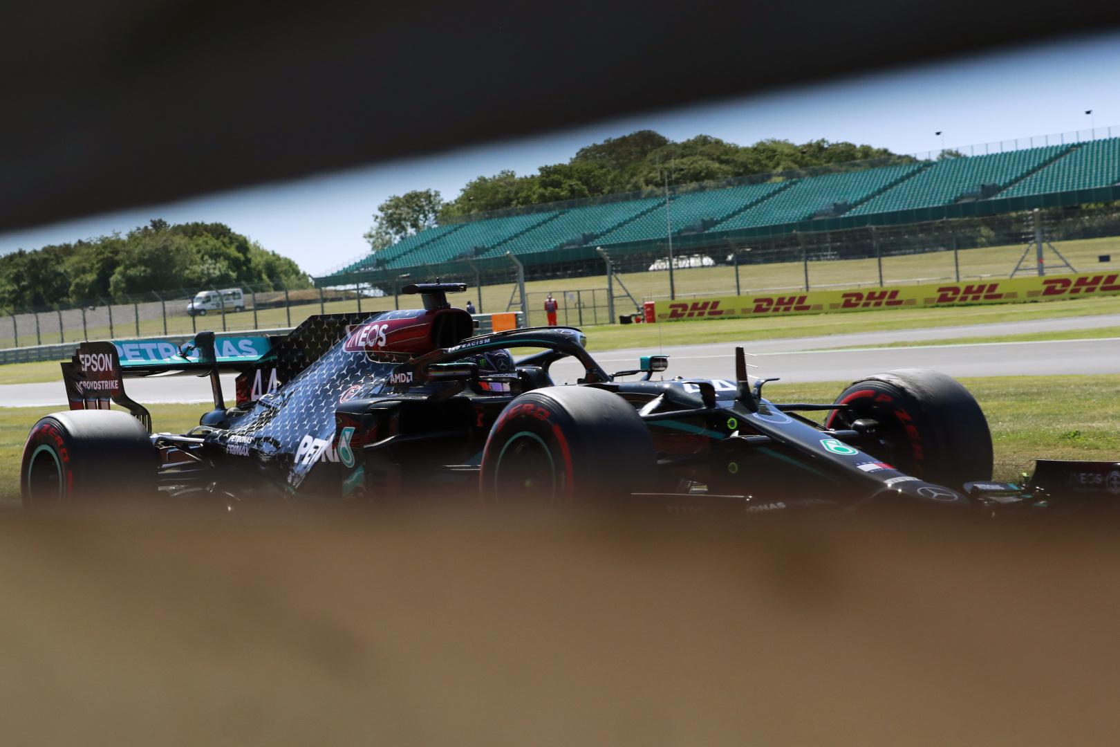 F1: Lázad a Mercedes az új szerződés ellen