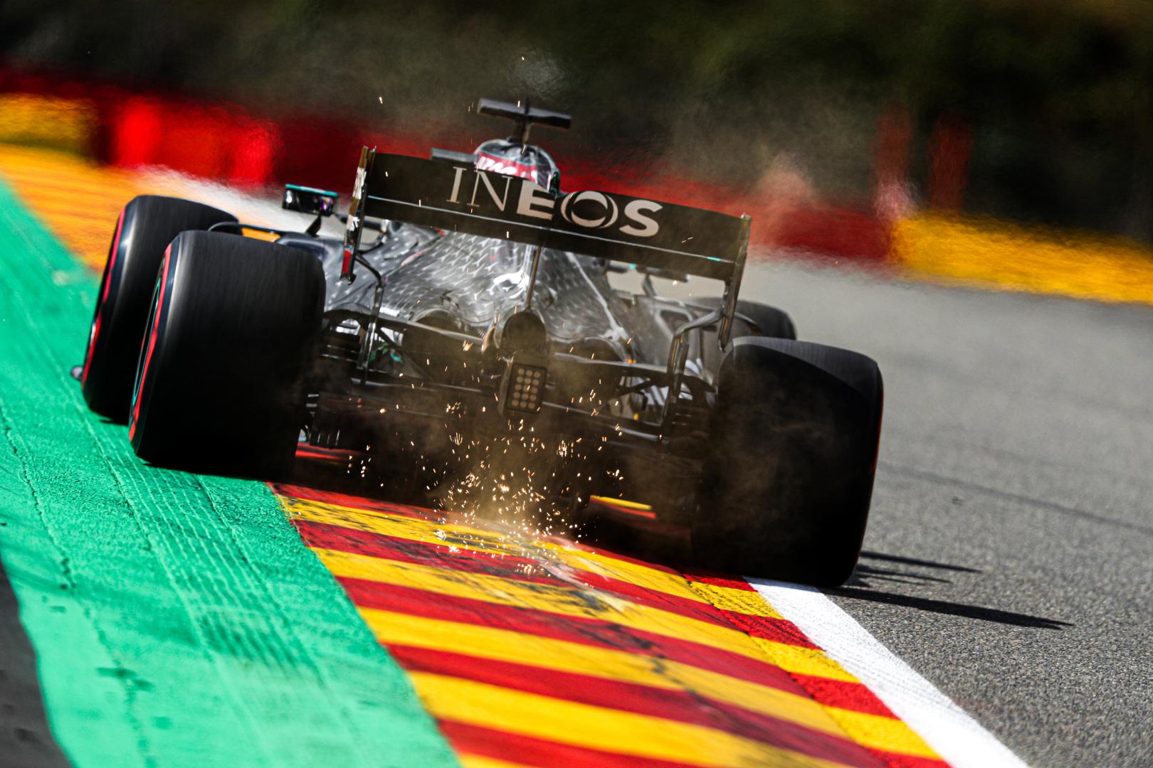 F1: Ismét kongatják a vészharangot a Mercedesnél, baj lehet a motorral