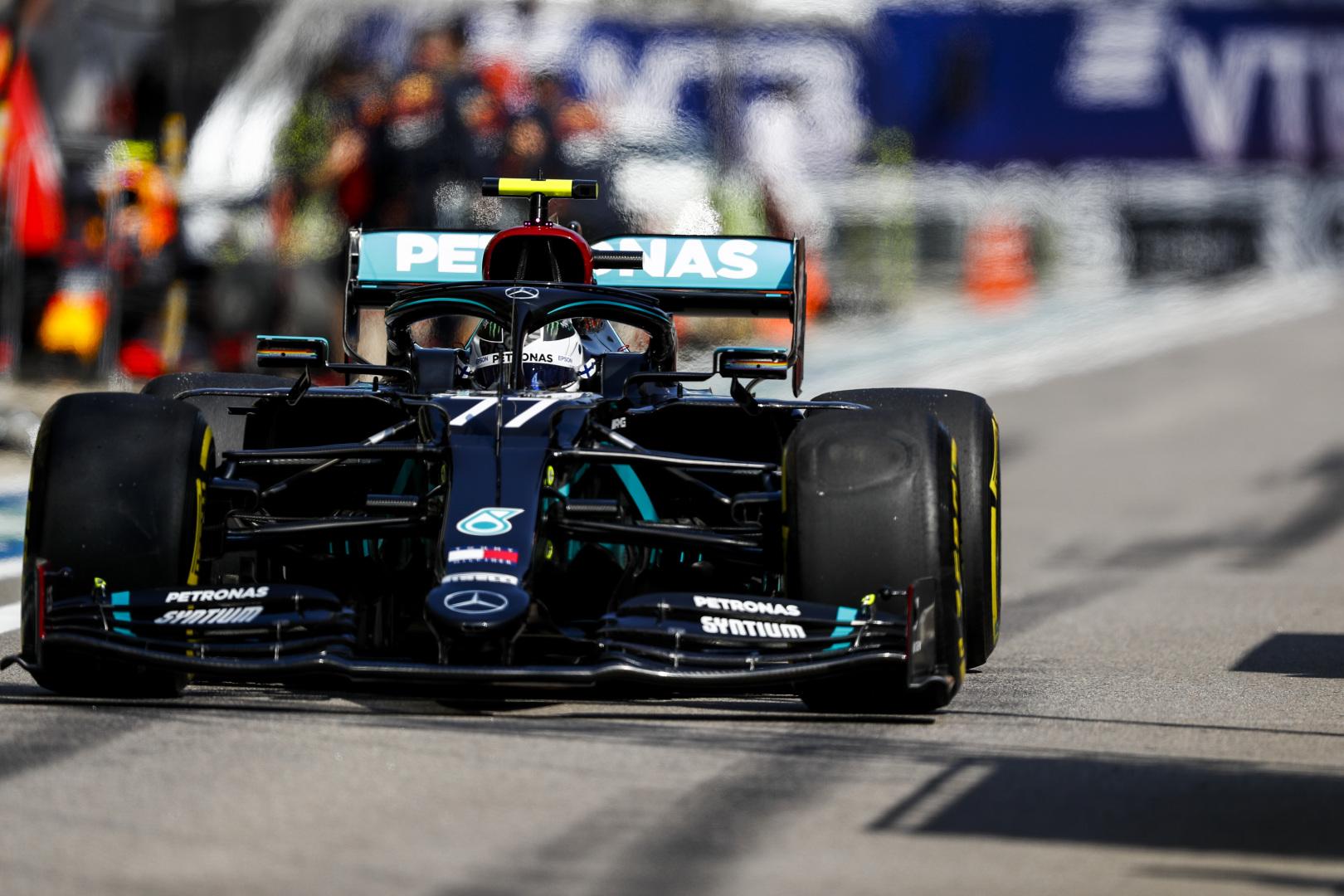 F1: Bottas az élen, Hamilton utolsó előttiként kezdett Oroszországban