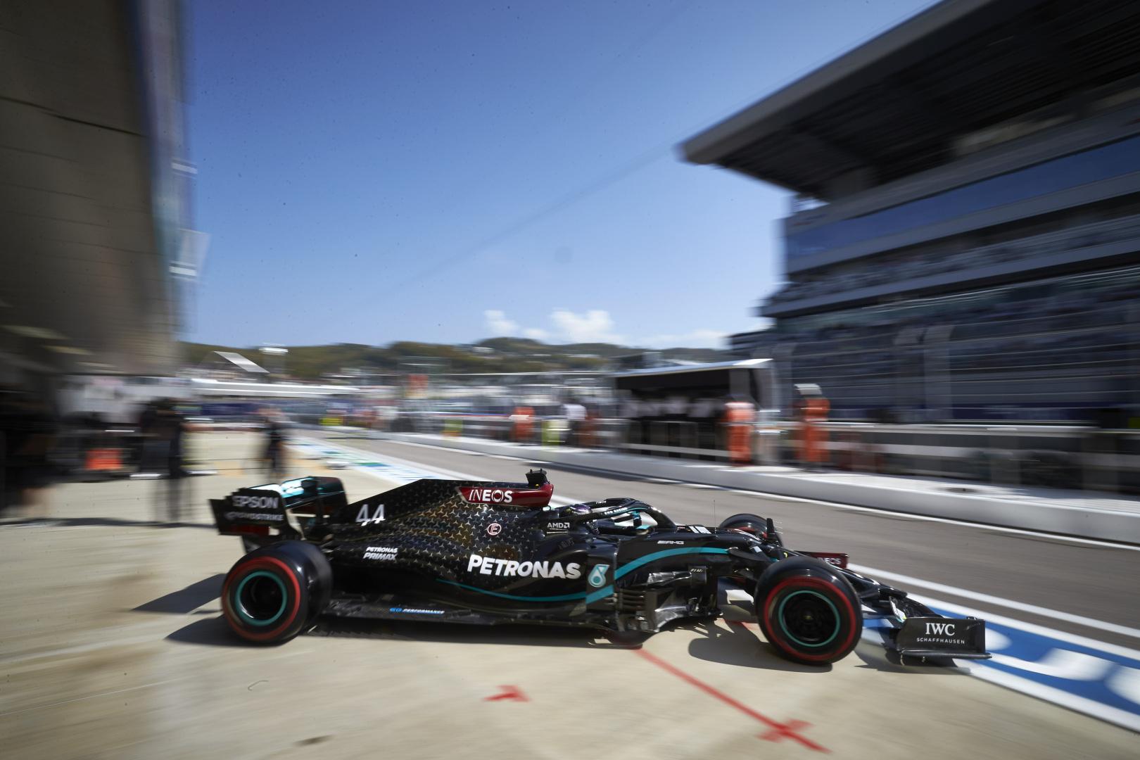 F1: Hamilton visszavágott Bottasnak az időmérő előtt