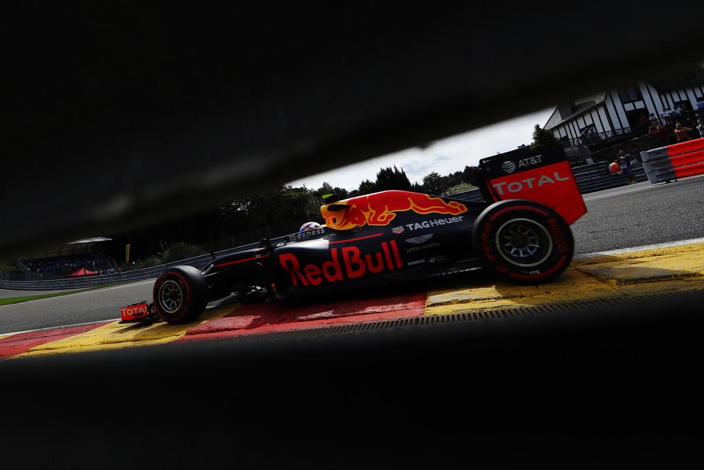 F1 - KETTŐS RED BULL-GYŐZELEM SZÜLETETT A MÁSODIK EDZÉSEN