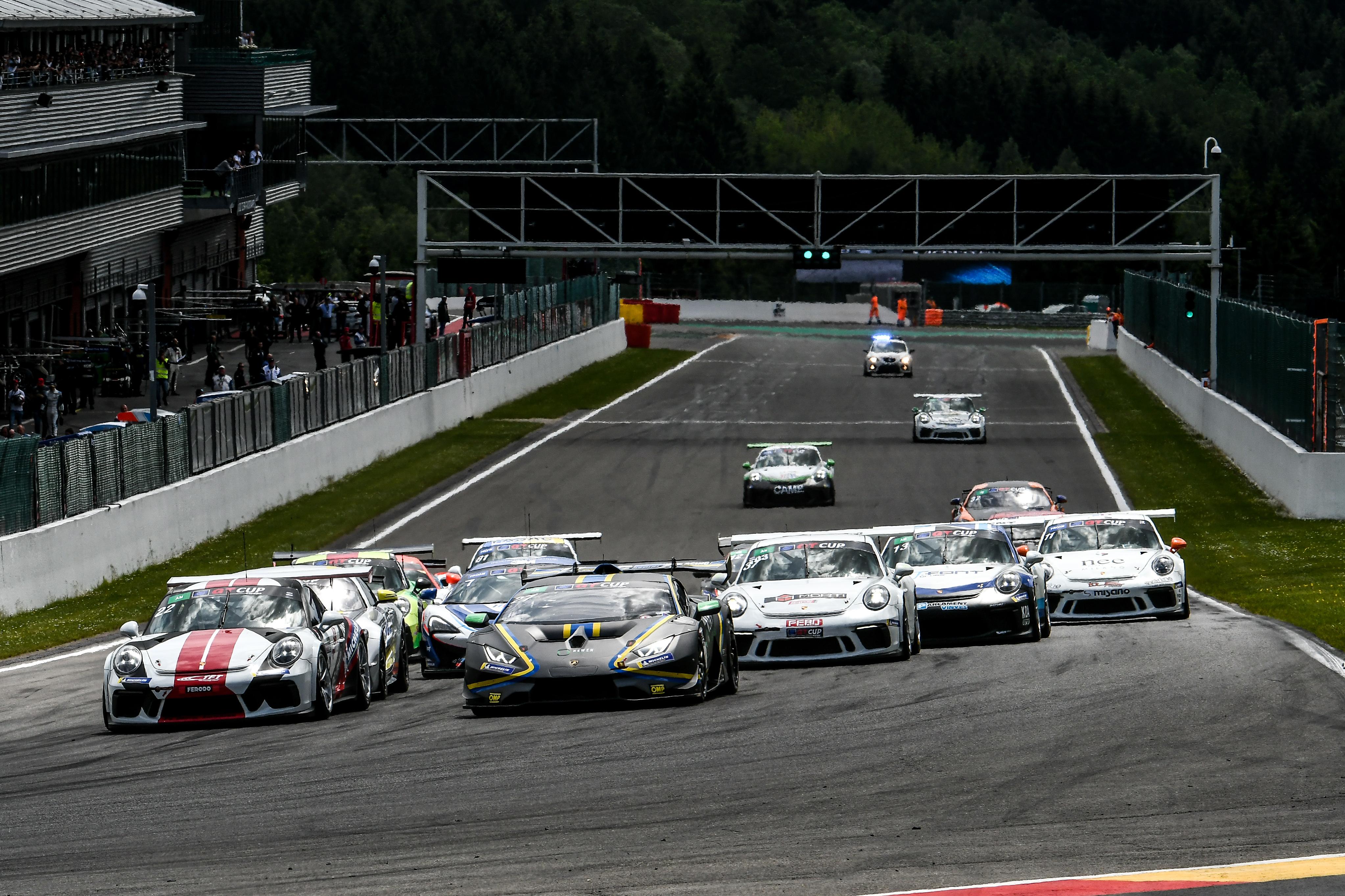 Egy rakás GT-autó és Billy Monger is a Hungaroringre jön