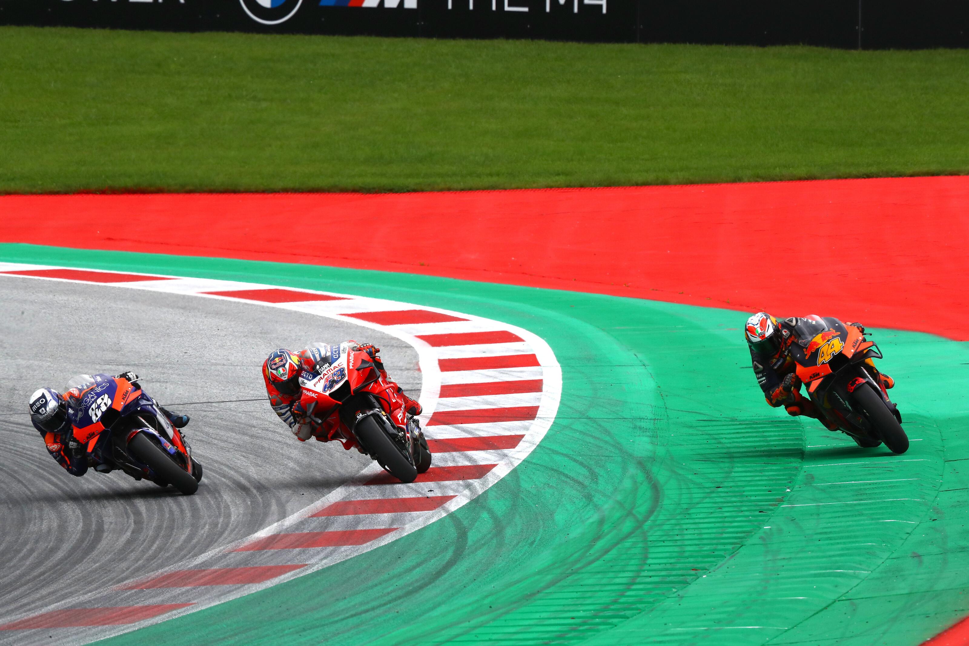 Évente több milliárd forintért jöhet Magyarországra a MotoGP