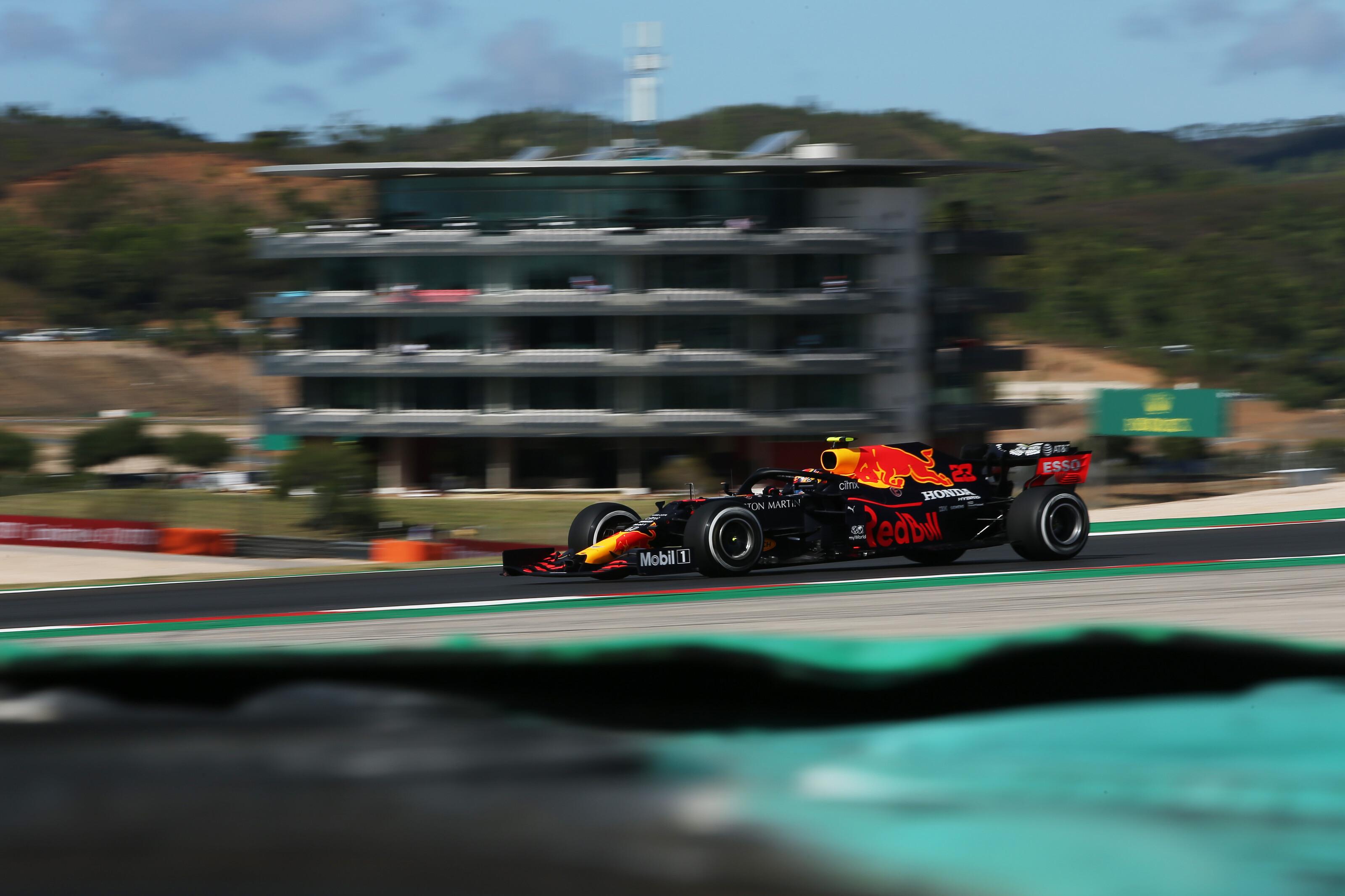 F1: Ultimátumot adott versenyzőjének a Red Bull