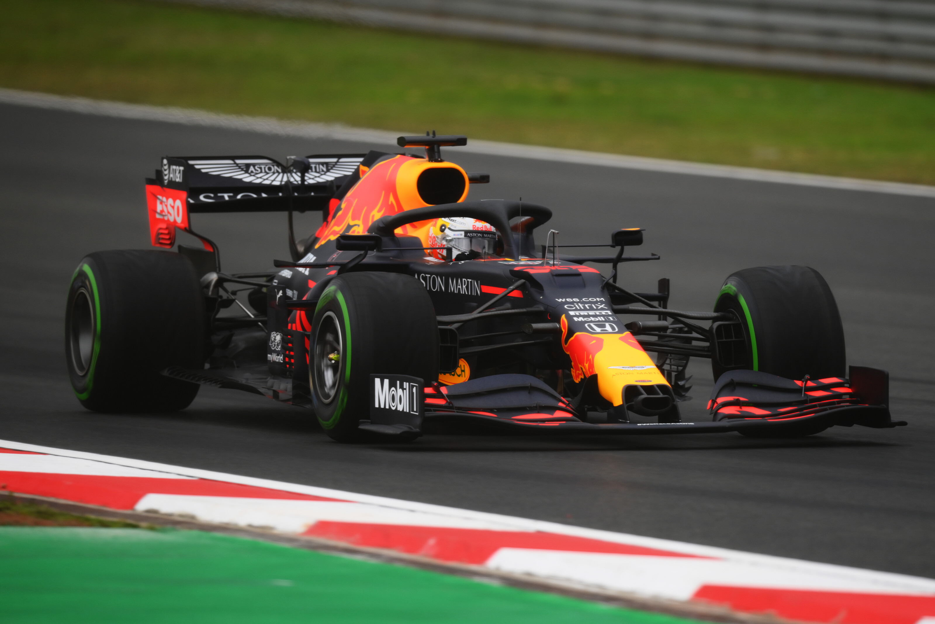 F1: Háromból három Verstappennek, káosz Isztambulban