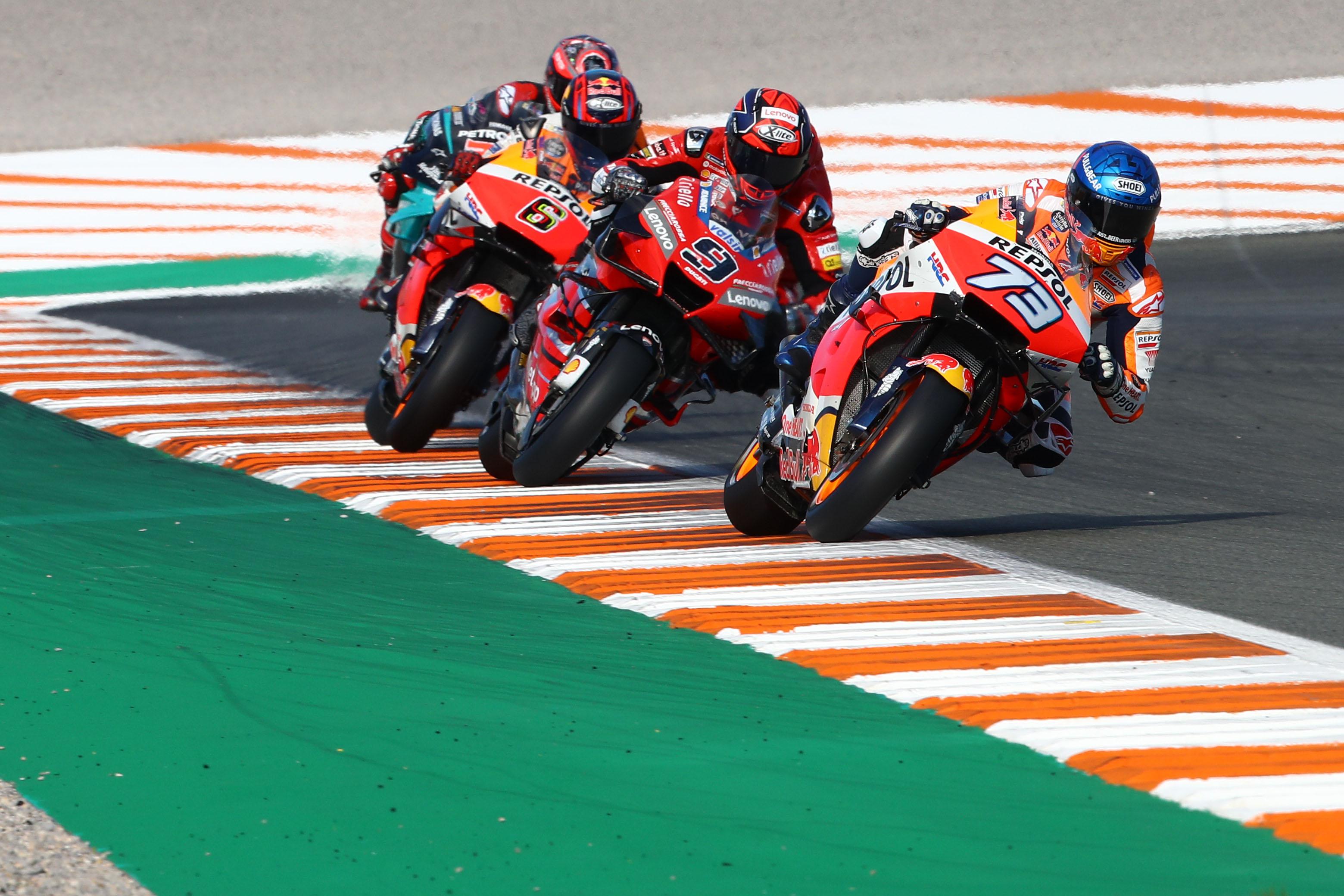 A MotoGP-t is elérte a naptárvariálási hullám