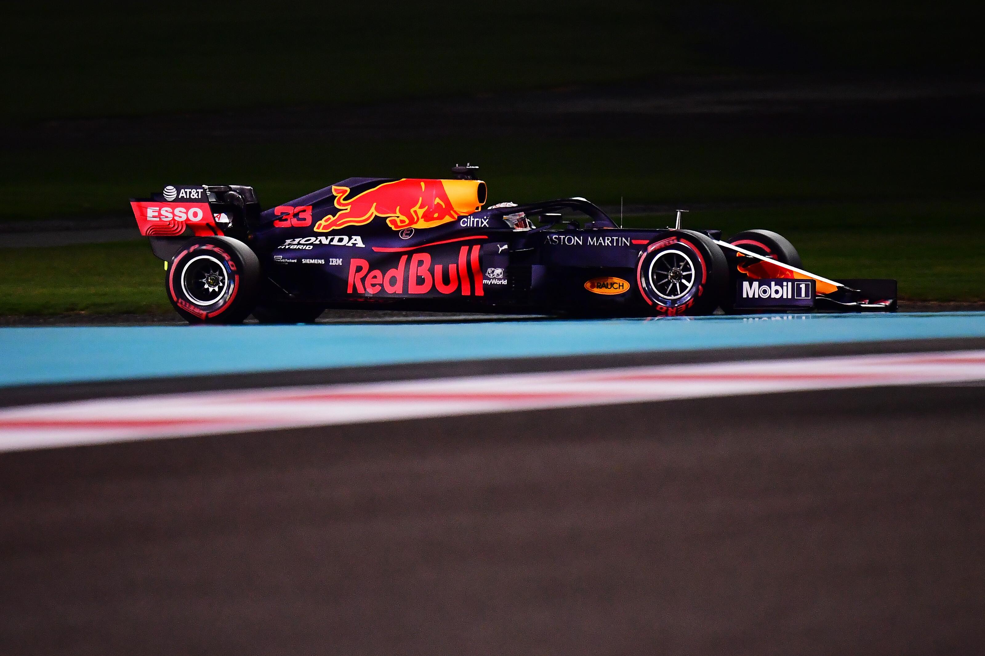 F1: Meglepetés pole-lal gyűrte le a Mercedeseket Verstappen