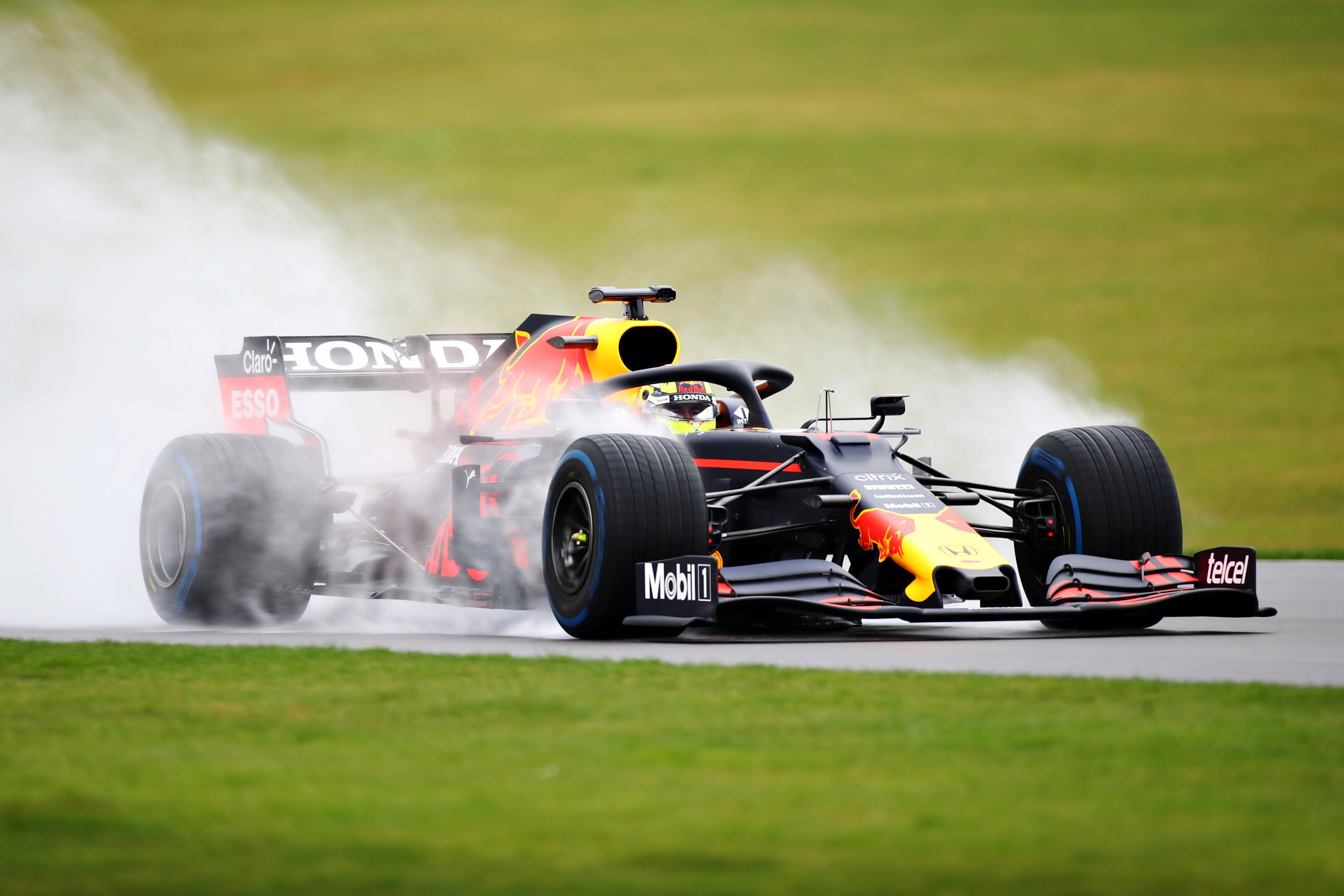 F1: Pérez pályára vitte a Red Bullt