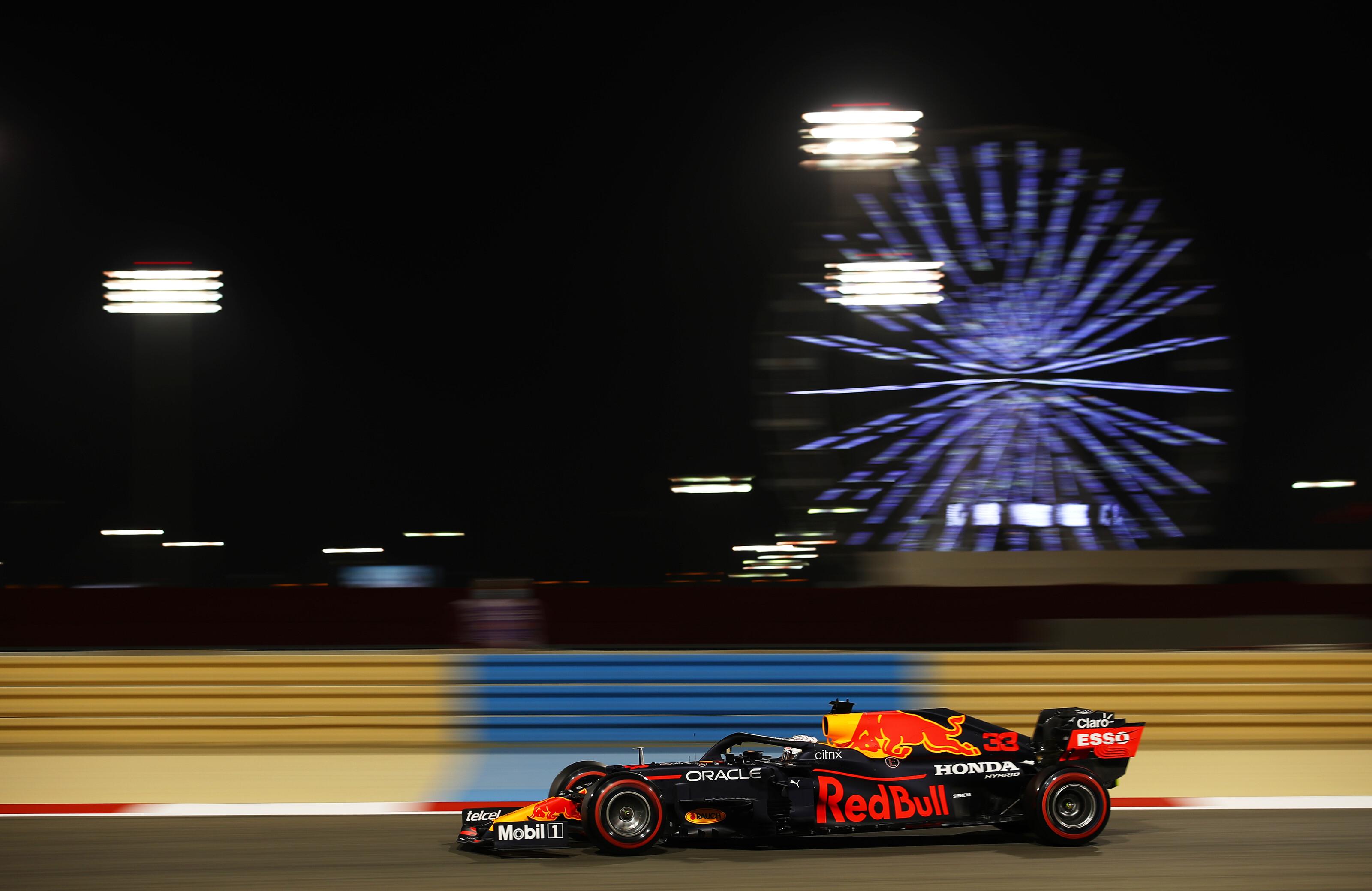 F1: Továbbra is Verstappen diktálja a tempót, Norris hajszállal mögötte