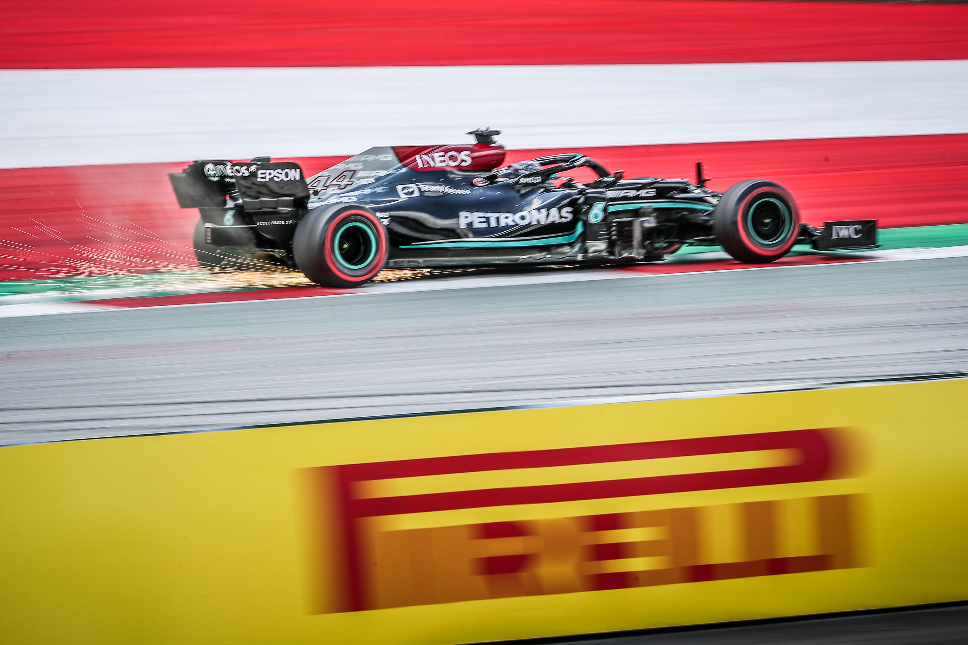 F1: Hamilton az élre vágott a Red Bull Ring-i időmérő előtt