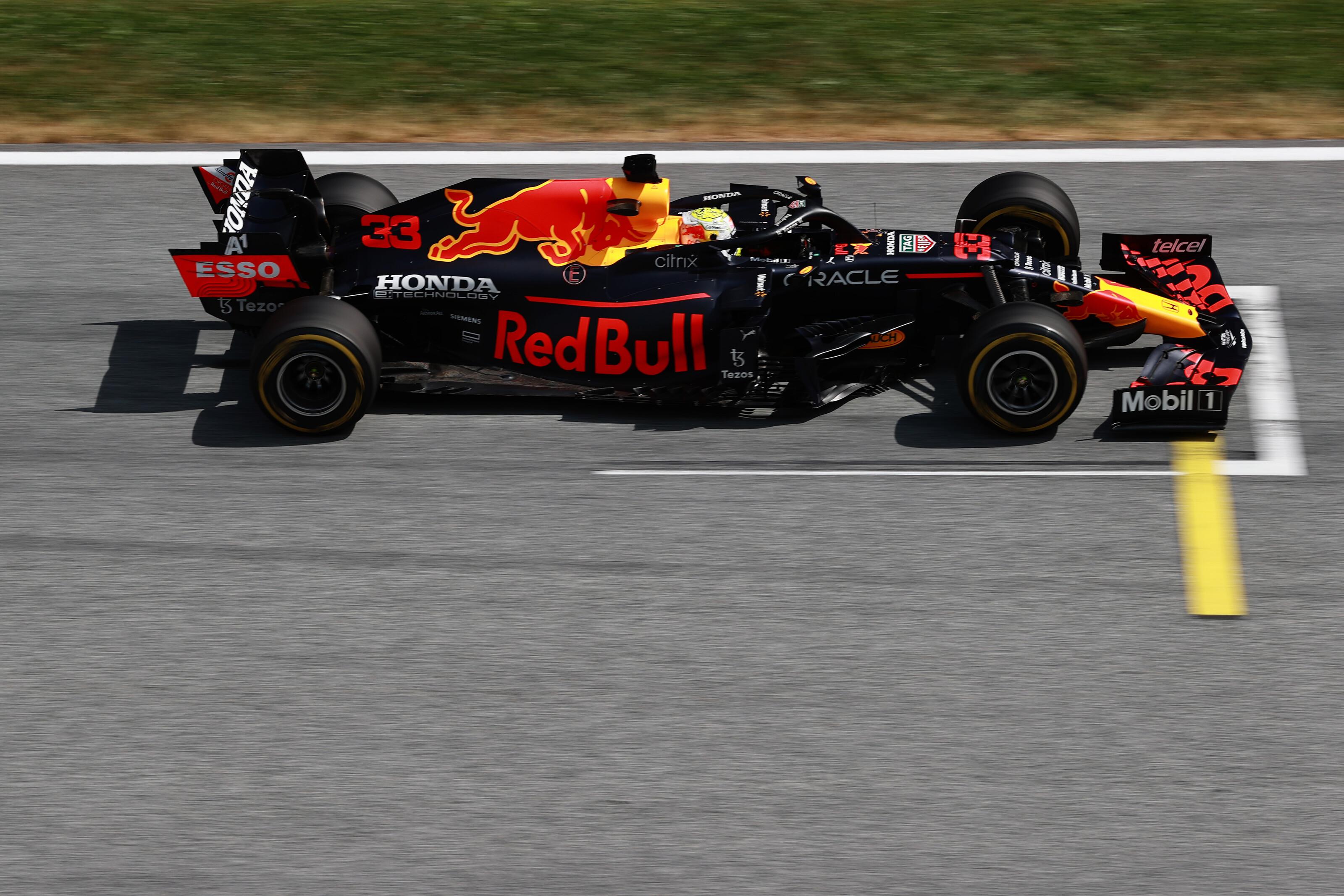 F1: Rajt-cél győzelemmel dominált Verstappen a Red Bull pályáján