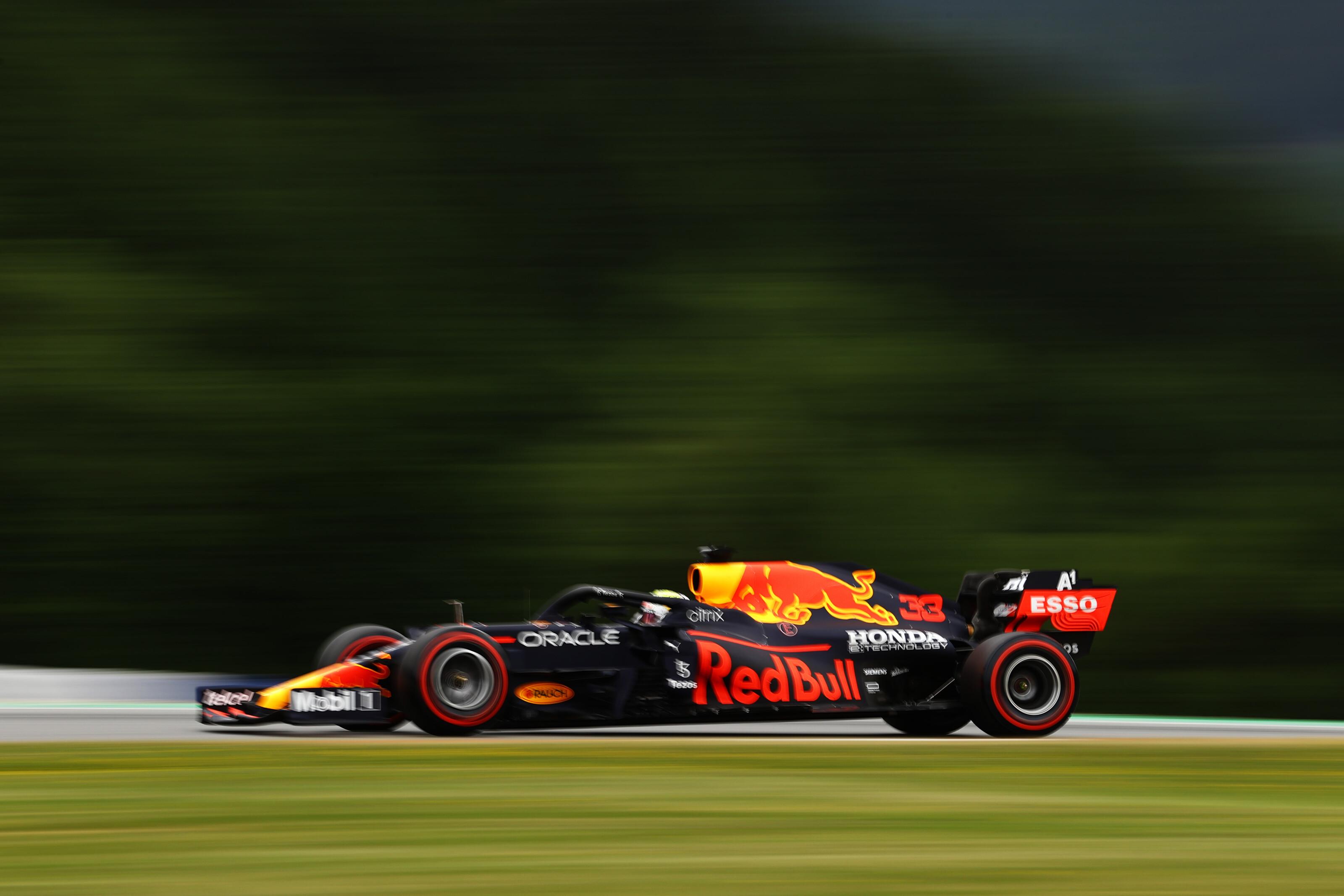 F1: Verstappen újra az élen az időmérő előtt