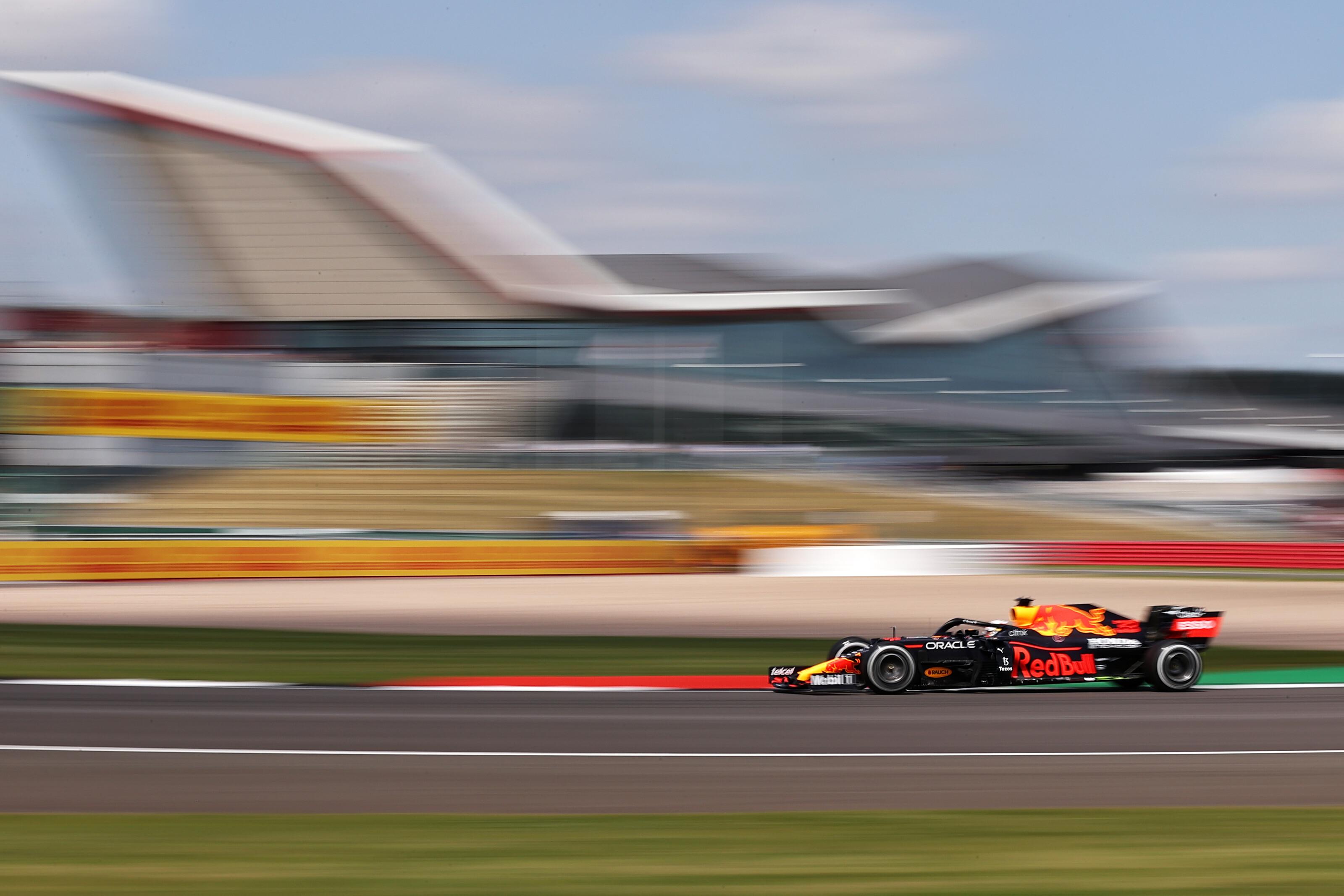 F1: Verstappen nagyon megverte a mezőnyt az első edzésen