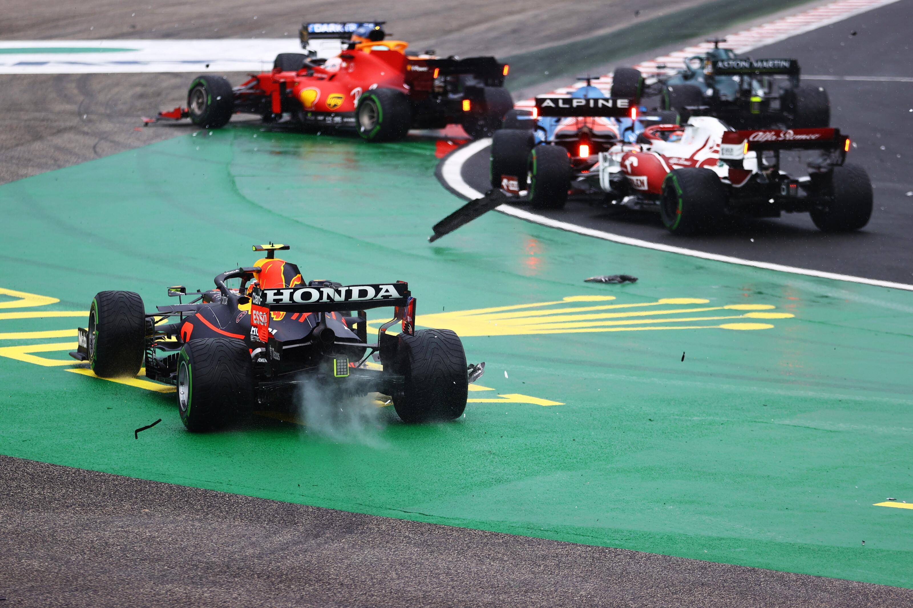 F1: Rossz hír a Red Bullnak, elkerülhetetlen Verstappenék drámája