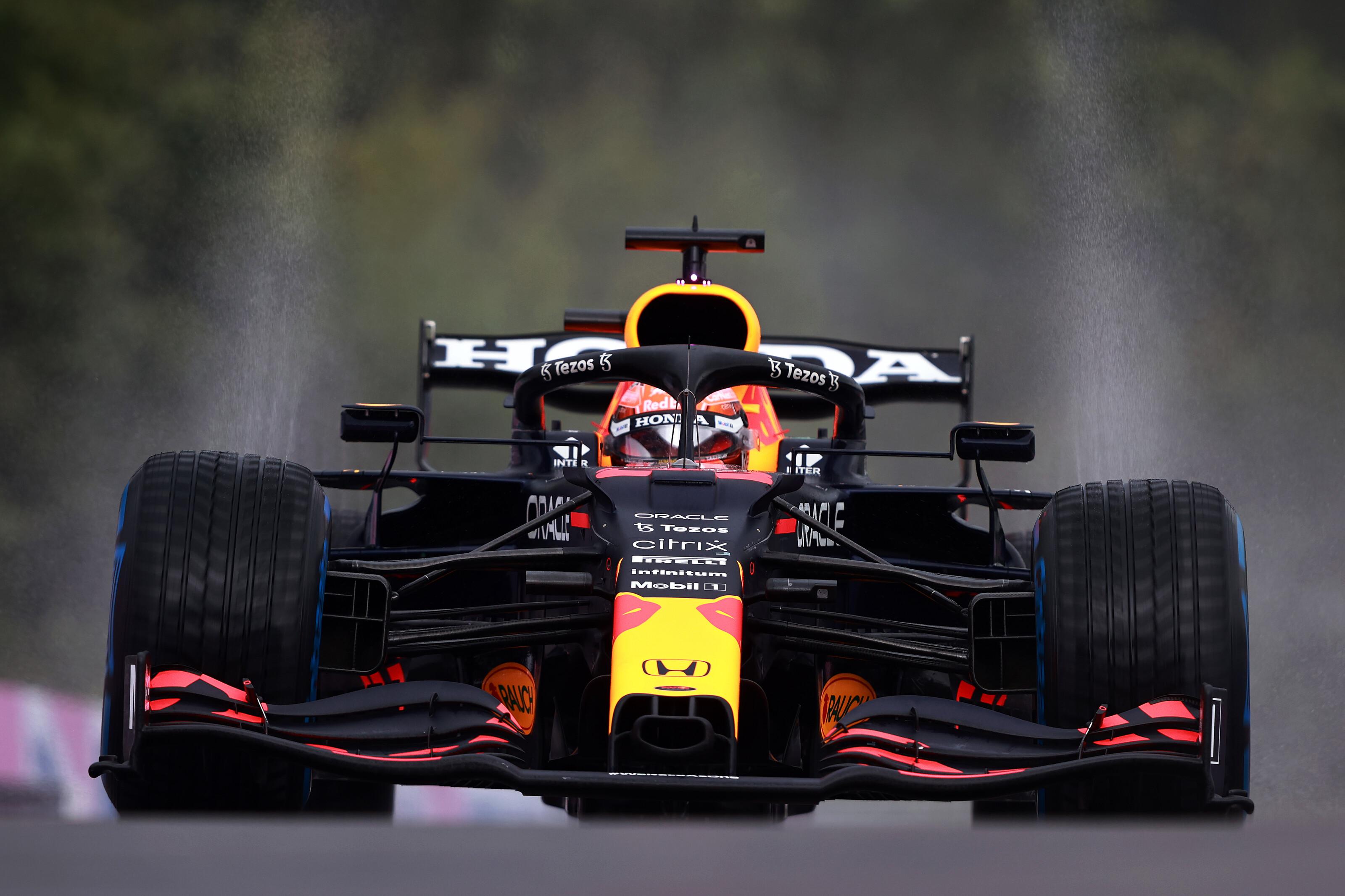 F1: Őrült időmérő után Verstappené a pole, Russell az első sorban!