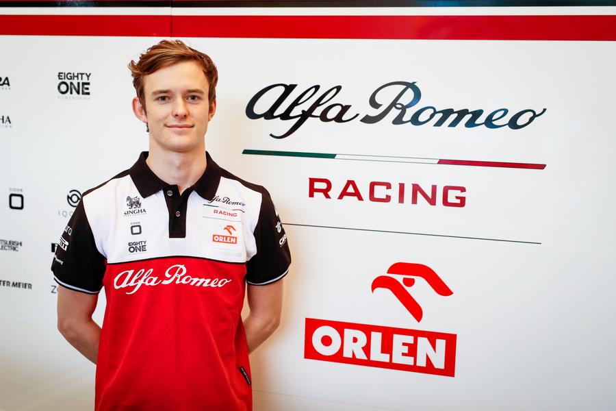 F1: Bejelentette tartalékversenyzője tartalékosát az Alfa Romeo