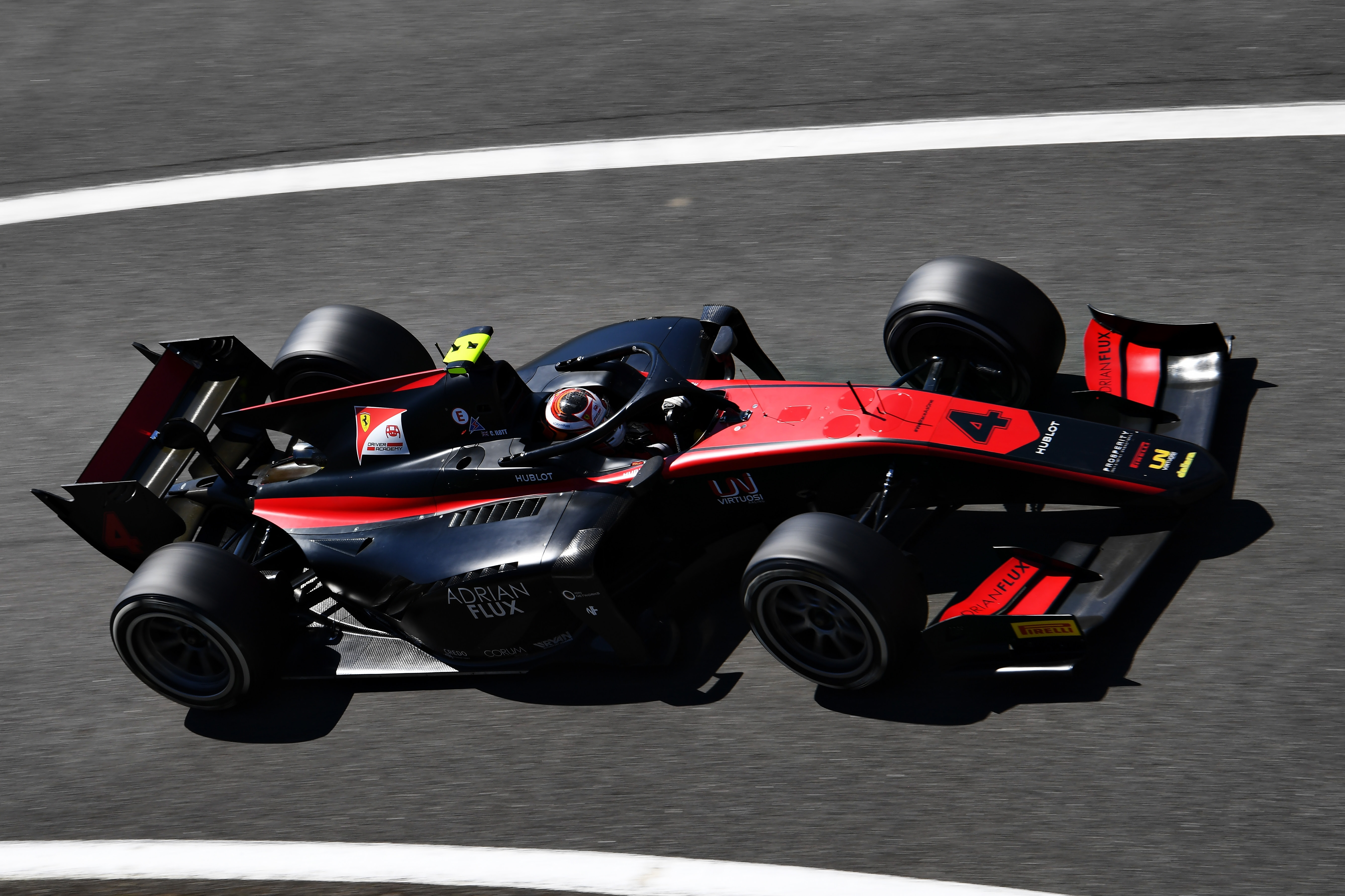 F2: Megint pole-ban a Ferrari-ifista, megfelezte hátrányát a bajnokságban