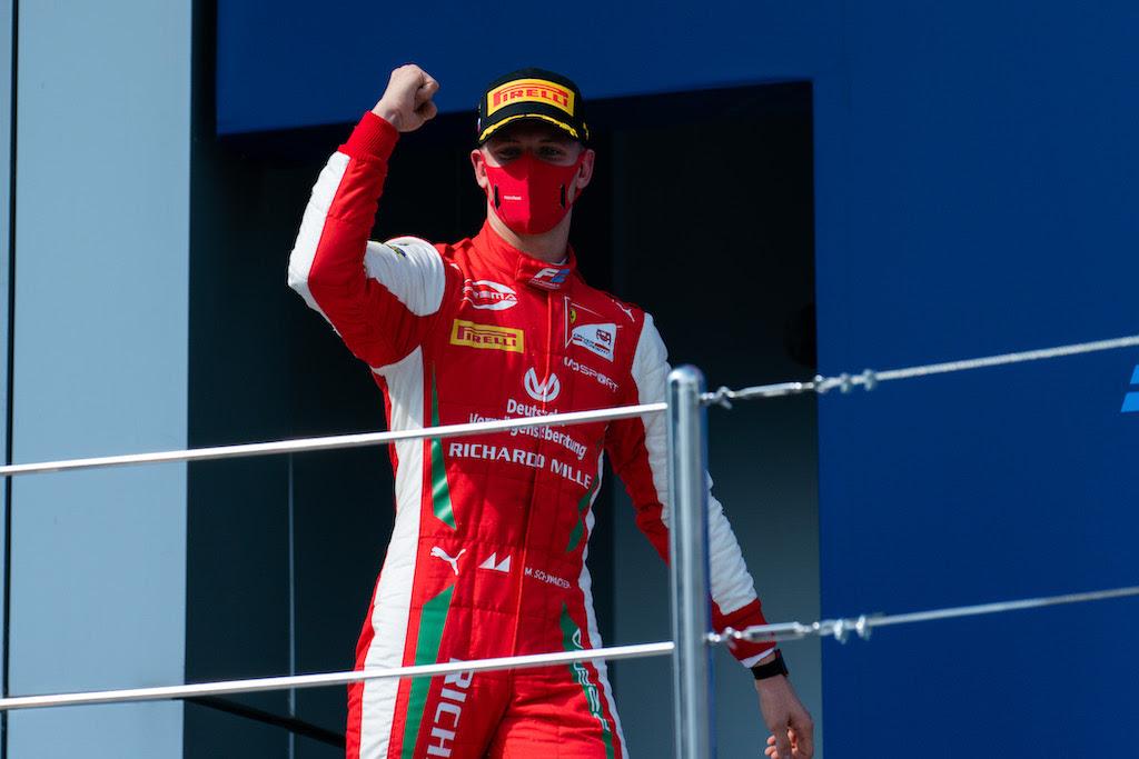 F2: Négy csapat is fellebbezhet Schumacher győzelme ellen