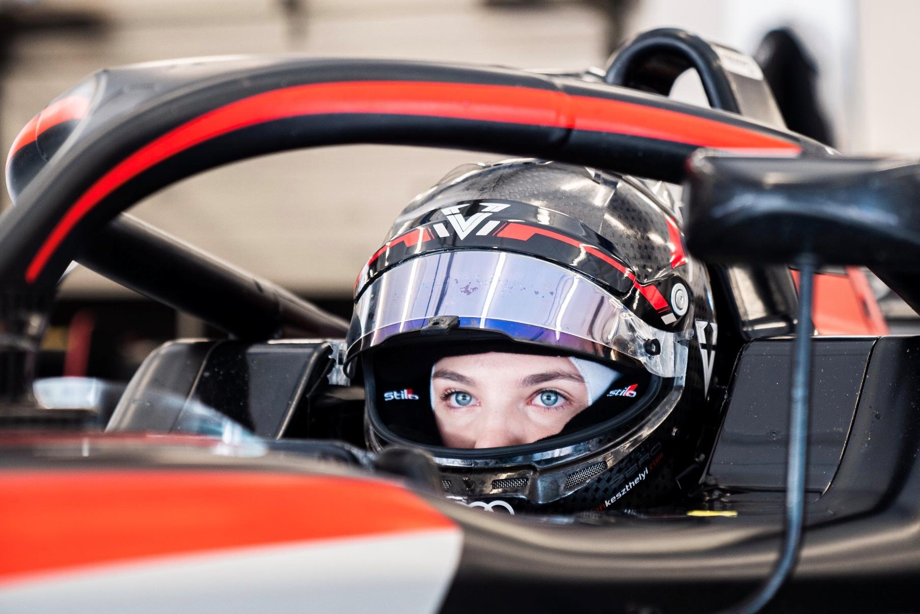 Új lehetőségek nyílhatnak meg a GP2-es bajnokcsapattal tesztelő Keszthelyi Vivien előtt