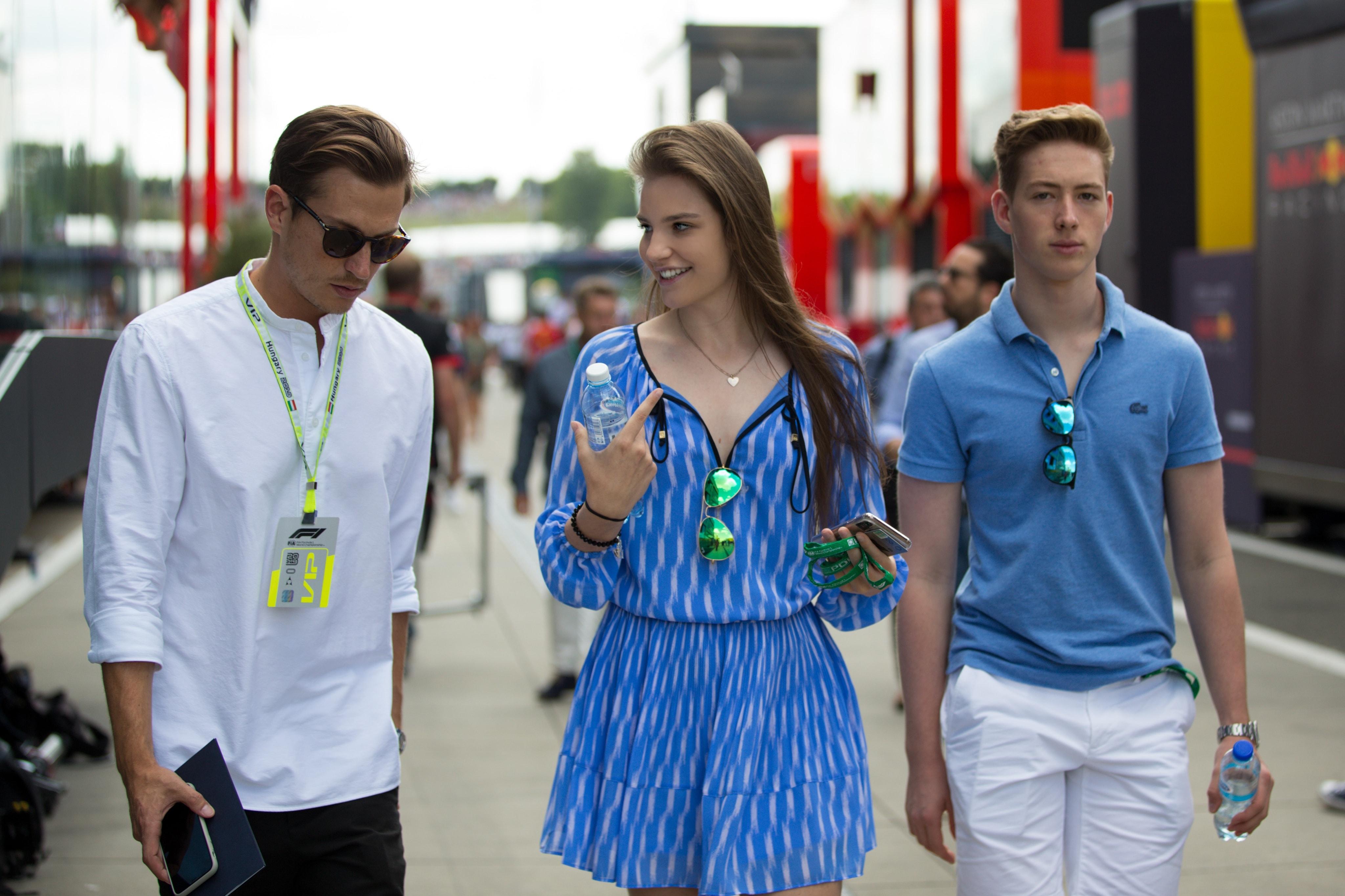 Meglepik Keszthelyi Vivienék az újdonsült győztes Mick Schumachert
