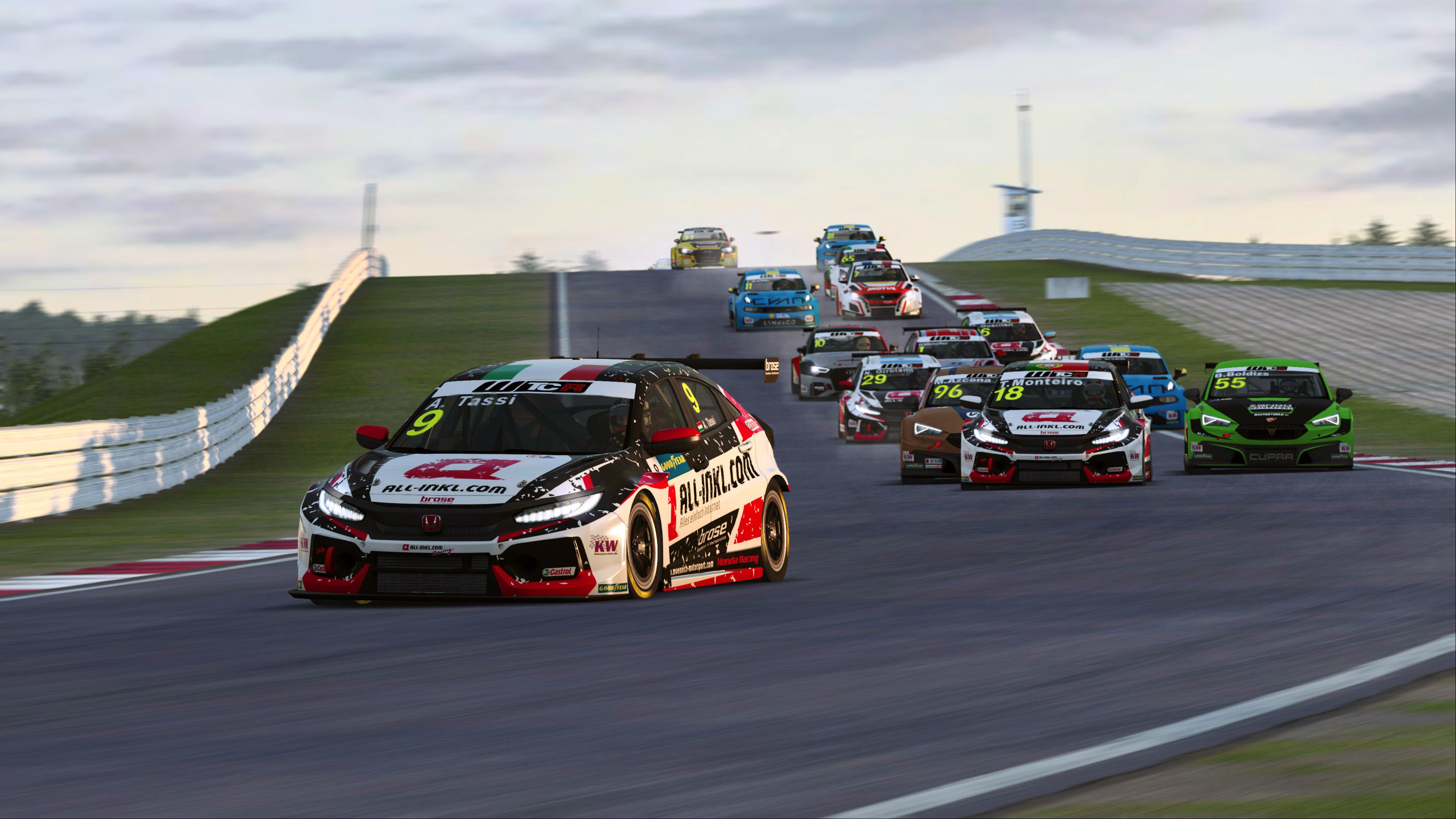 03-attila-tassi-leads-pre-season-wtcr-race-2.jpg
