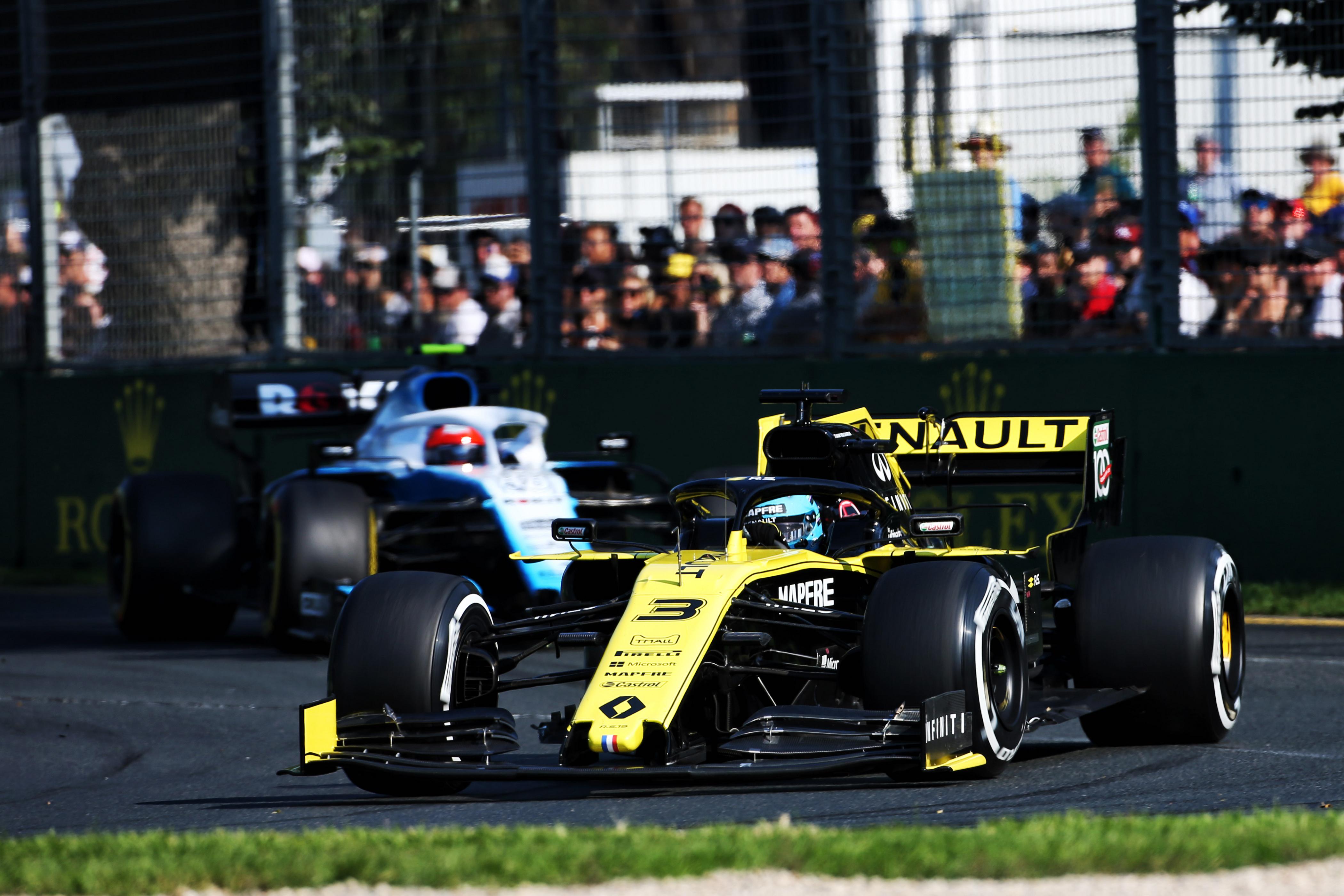 Melbourne-nel is hosszabbított az F1
