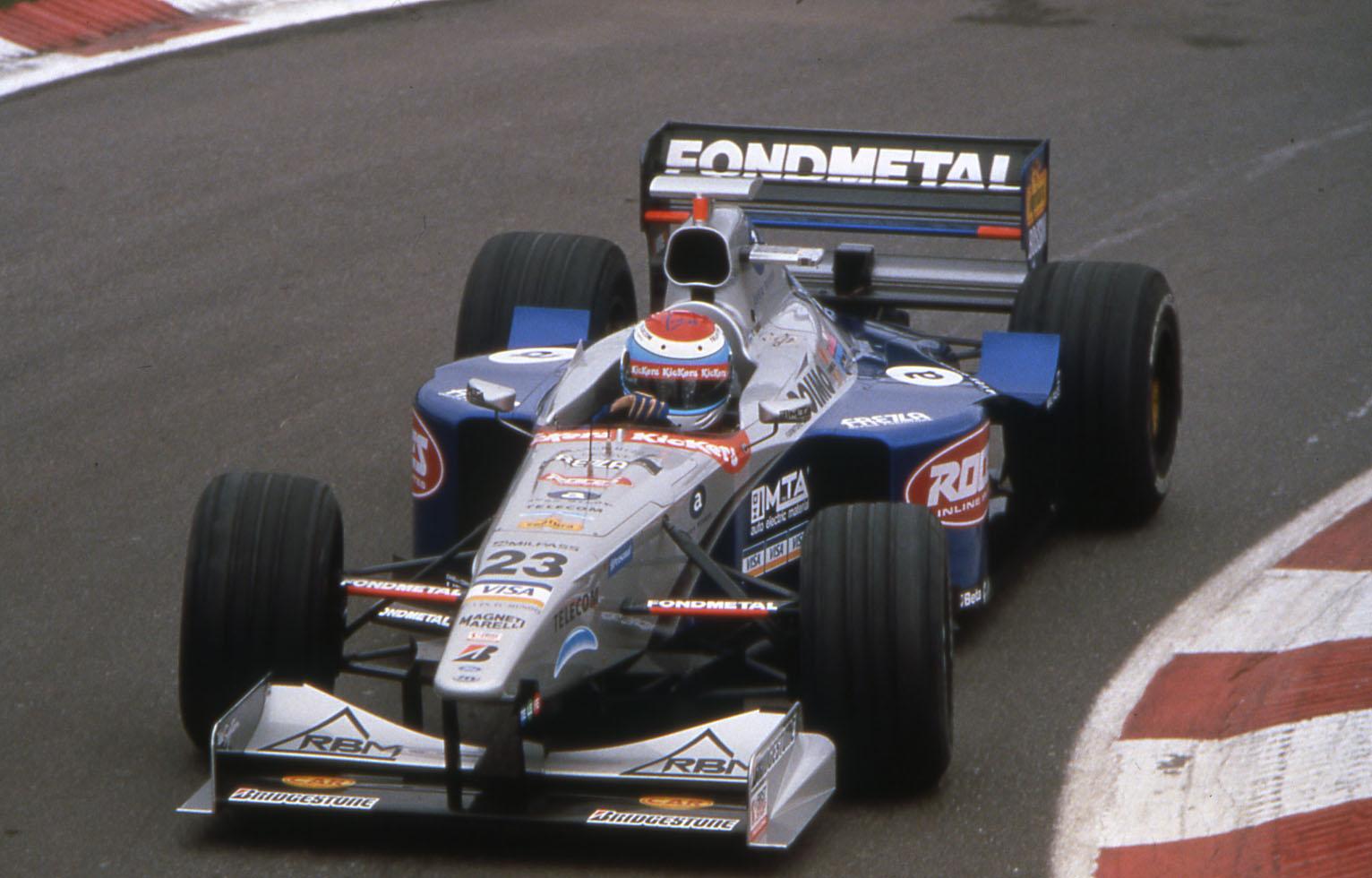 Kemény motorbalesetben sérült meg a volt F1-es pilóta