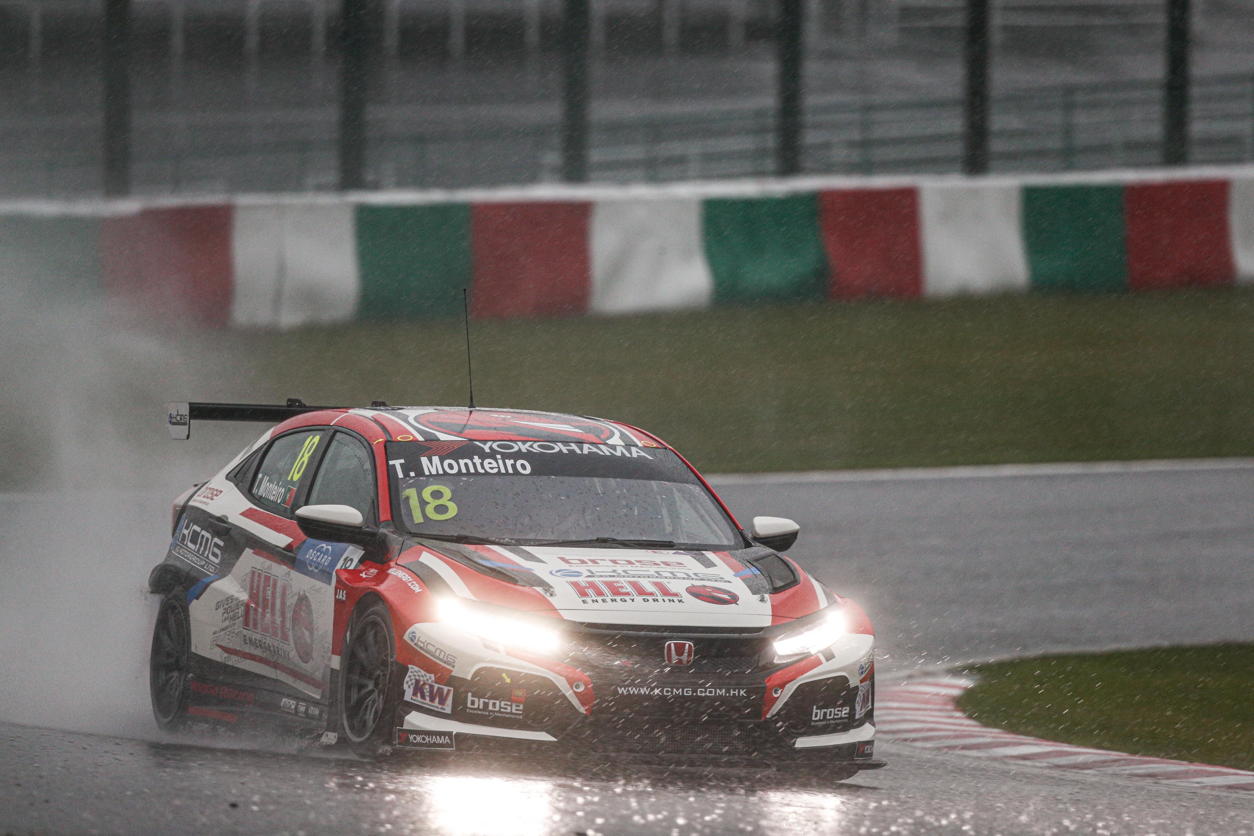 WTCR: Hazai pályán tarolt a Honda, Monteiro-pole a szombati versenyen
