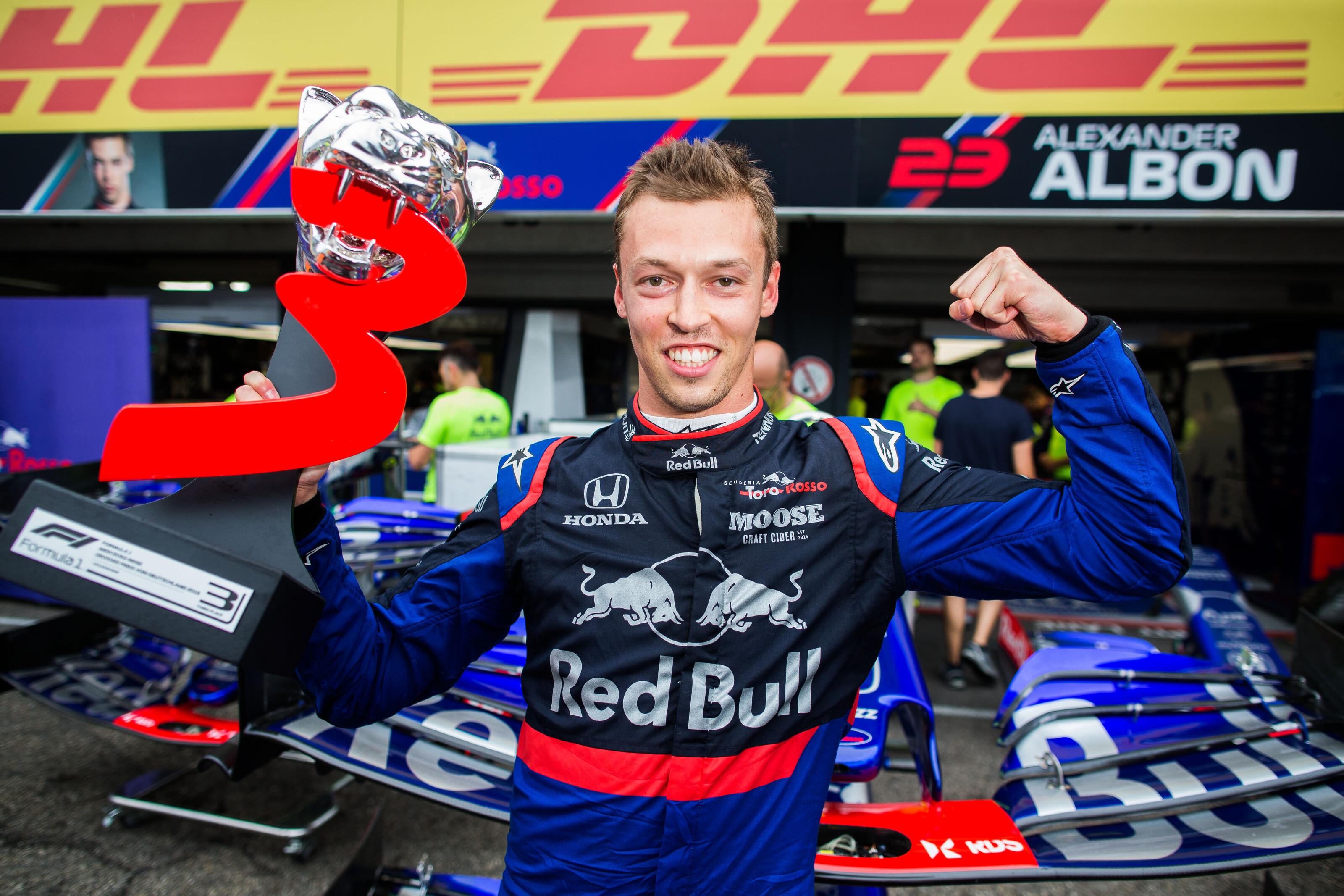 F1: Közel 4000 nap után újra dobogón a Toro Rosso – Kvjat a fellegek felett jár