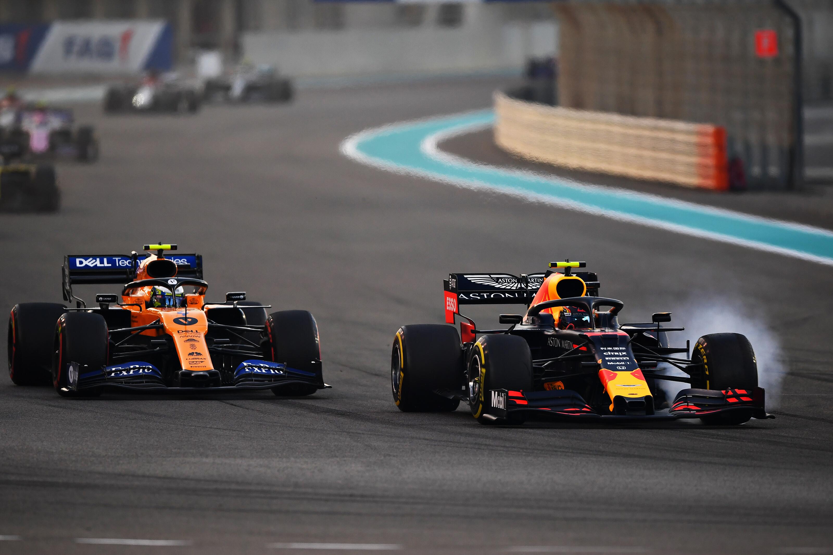 """F1: Legálisan """"kémkedhet"""" a Red Bull gyárában a McLaren főnöke"""