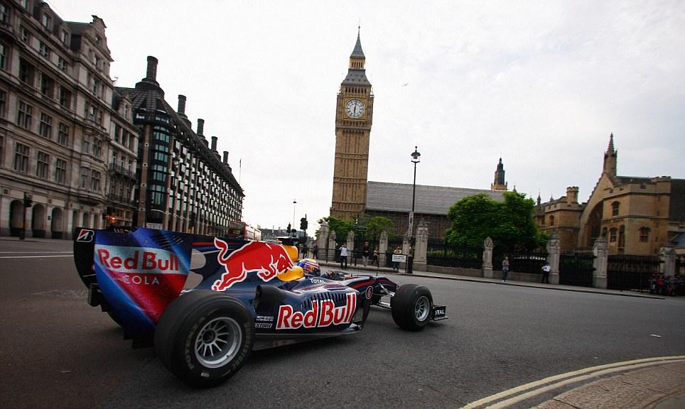 F1 - MEGVALÓSULHAT-E MÉG A LONDONI UTCAI VERSENY?