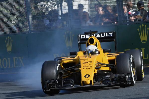 F1 - ÍME A CSAPATOK BAHREINI GUMIVÁLASZTÁSA!