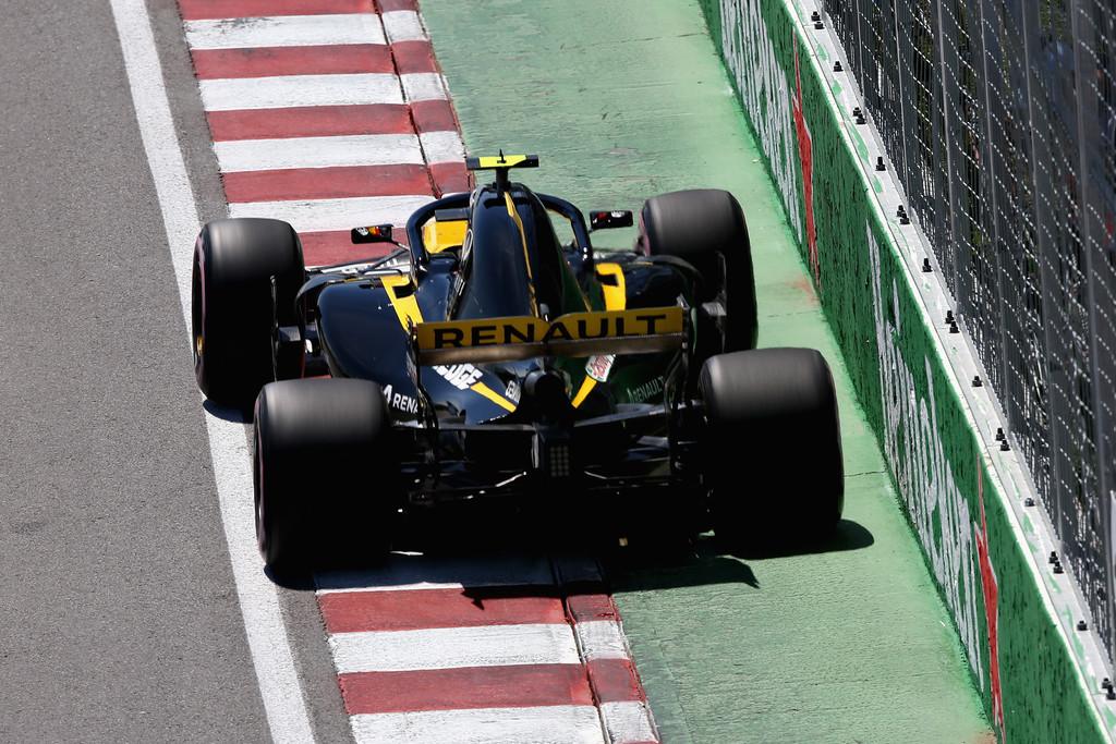 carlos_sainz_canadian_f1_grand_prix_qualifying_zq60p3arc9px.jpg