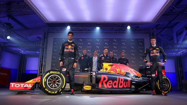 F1 - BEMUTATTA A RED BULL 2016-OS AUTÓFESTÉSÉT!