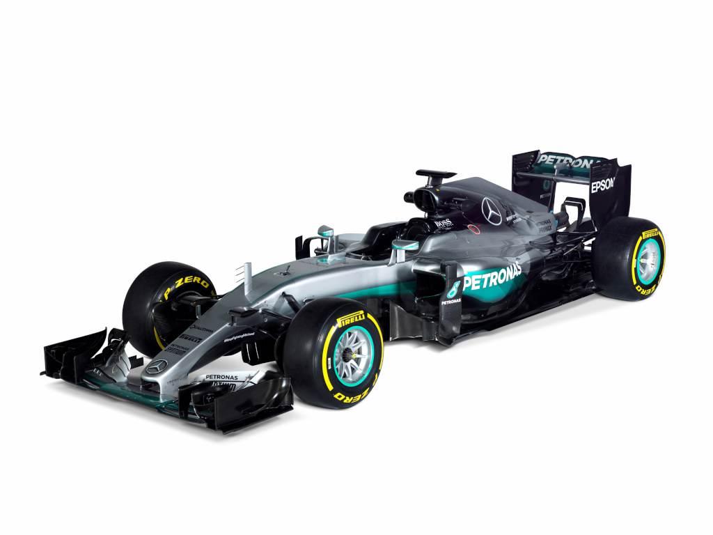 F1 - BRÉKING: KÉPEKEN A 2016-OS MERCEDES!