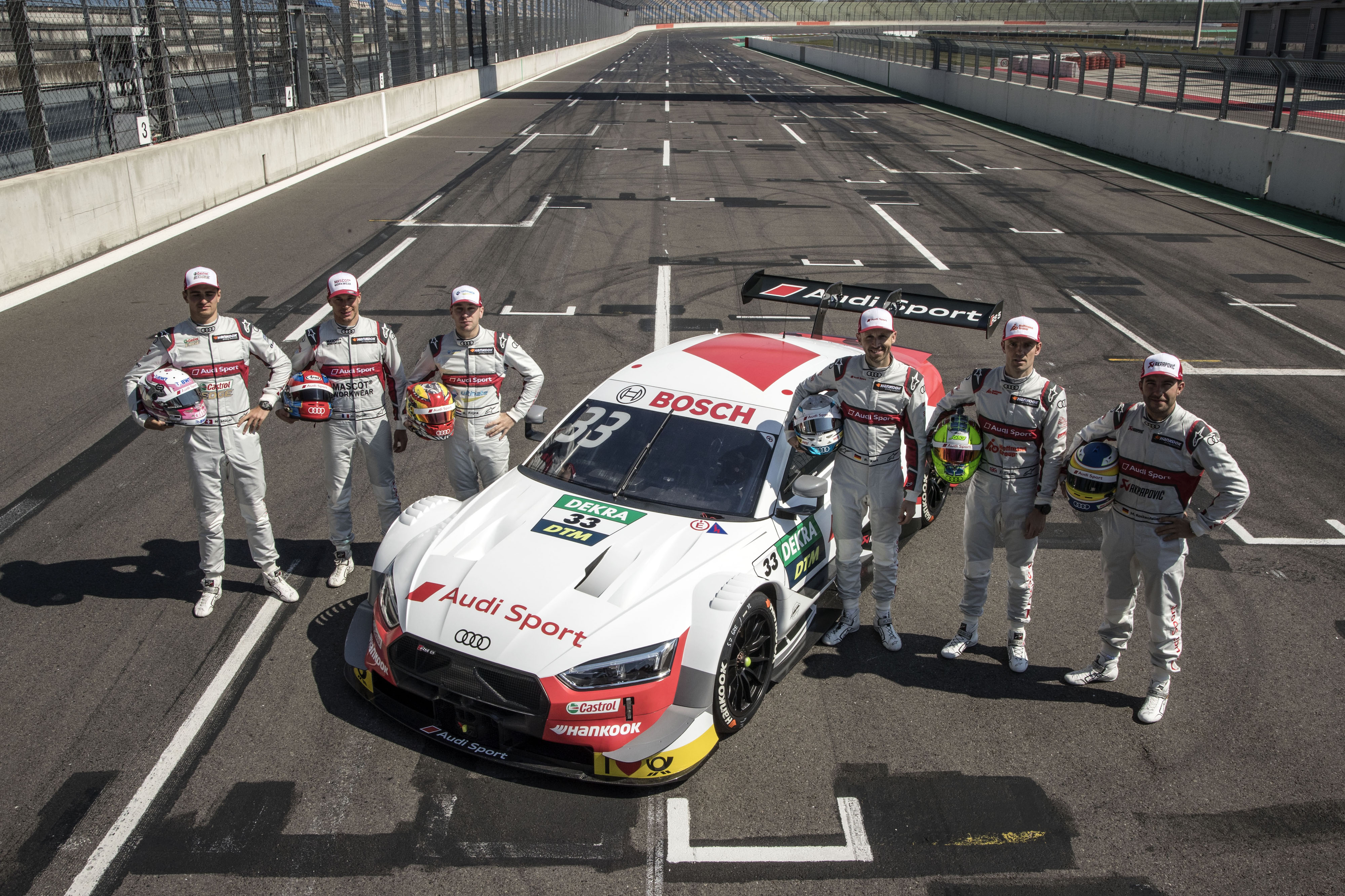AUDI<br />• Audi Sport Team Abt Sportsline: Robin Frijns (#4, holland), Nico Müller (#51, svájci)<br />• Audi Sport Team Phoenix: Loïc Duval (#28, francia), Mike Rockenfeller (#99, német)<br />• Audi Sport Team Rosberg: René Rast (#33, német), Jamie Green (#53, brit)<br />• Team WRT: Pietro Fittipaldi (#21, brazil), Jonathan Aberdein (#27, dél-afrikai)