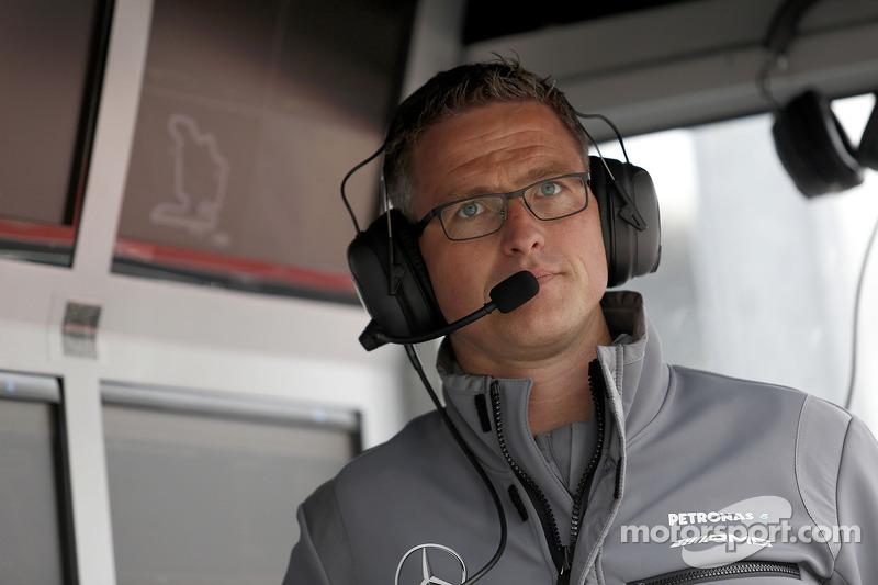 F1 - RALF SCHUMACHER F4-ES CSAPATFŐNÖK LESZ