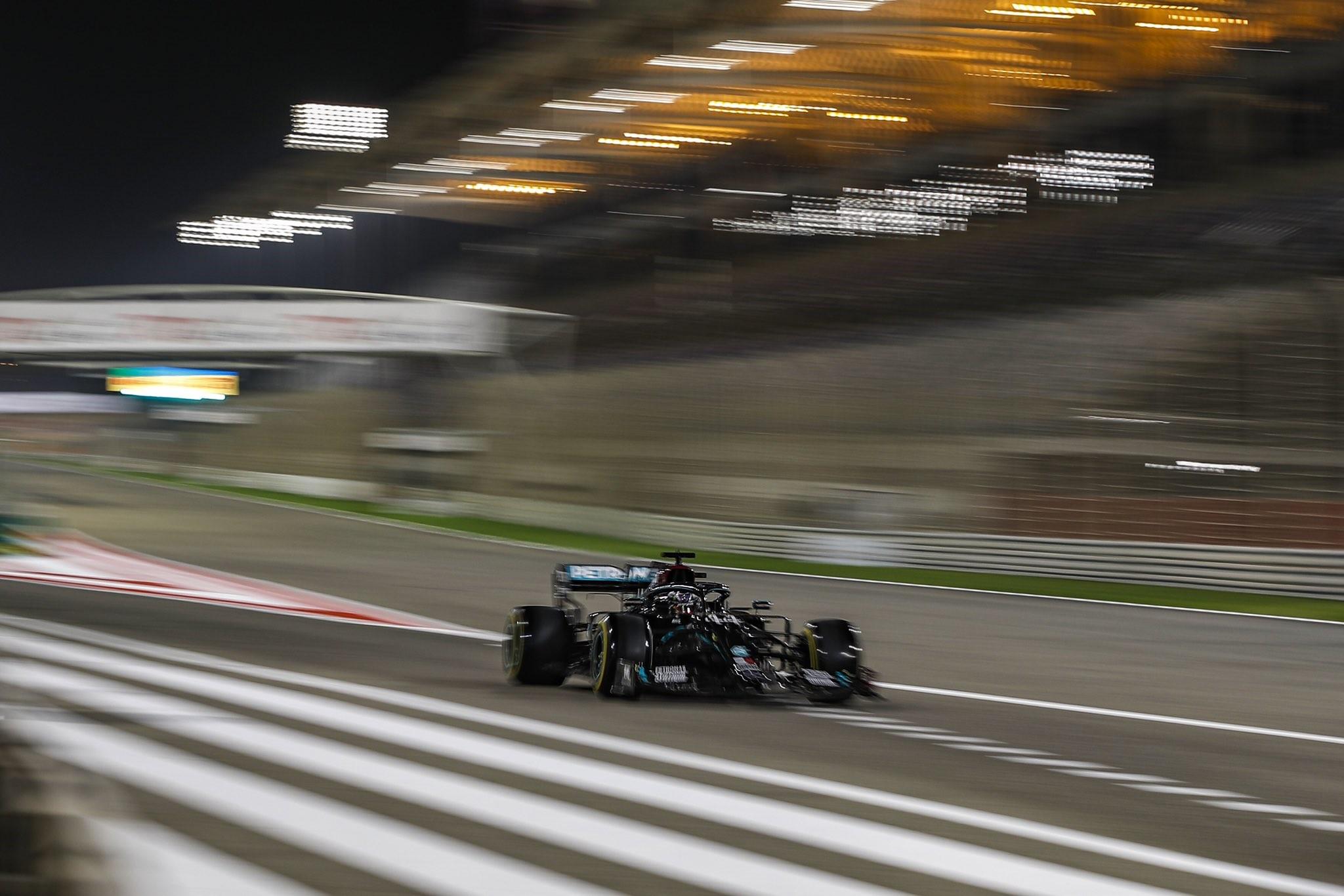 F1: Pályacsúccsal Hamiltoné a pole Bahreinben