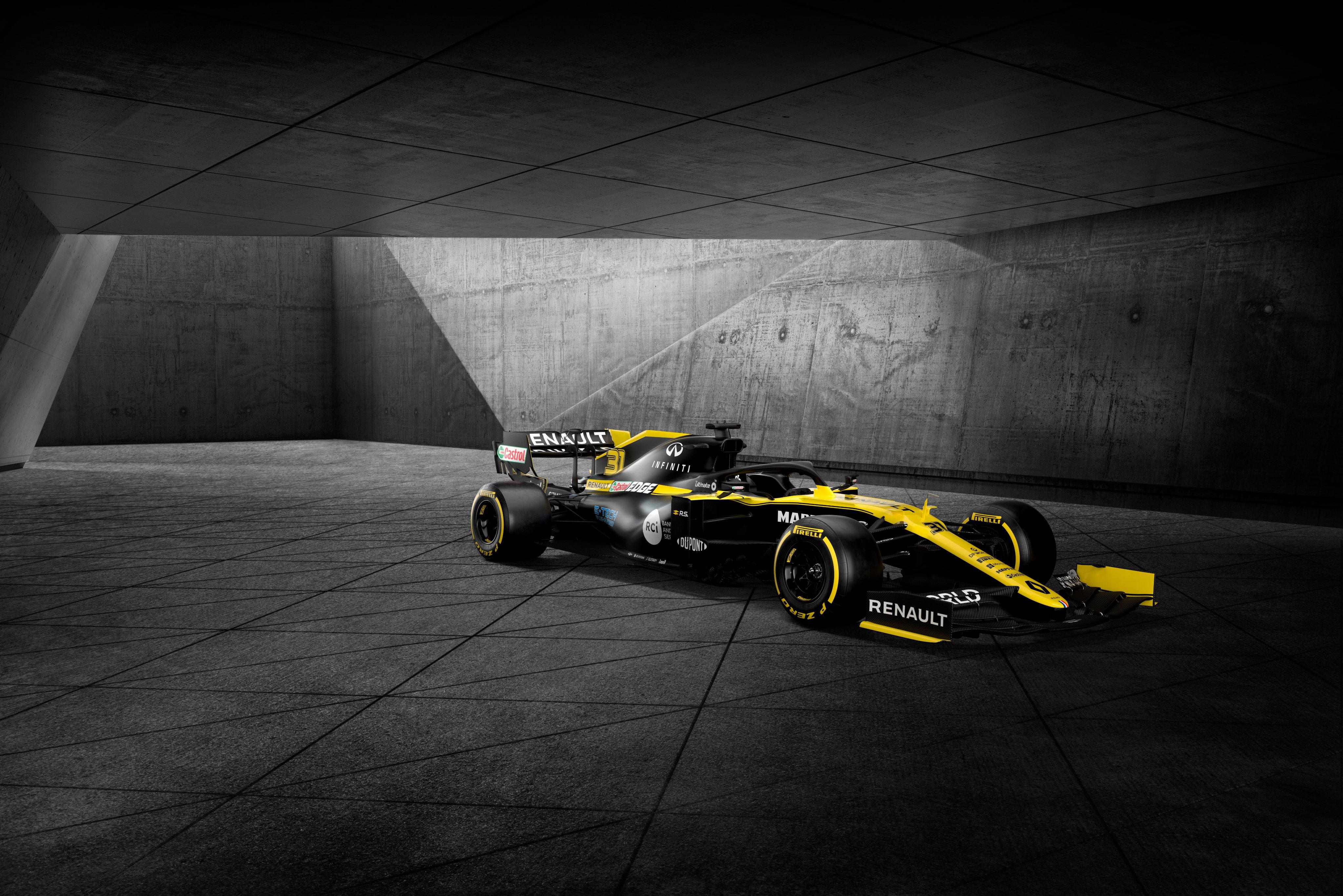 F1: Új főszponzor kíséretében mutatta be 2020-as autóját a Renault