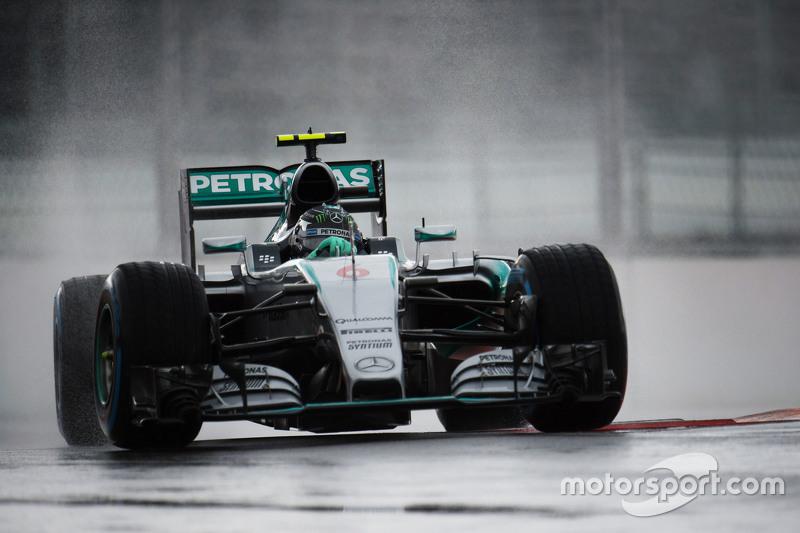 F1 - ÉLŐ KÖZVETÍTÉS: 2015 OROSZ NAGYDÍJ, IDŐMÉRŐ EDZÉS